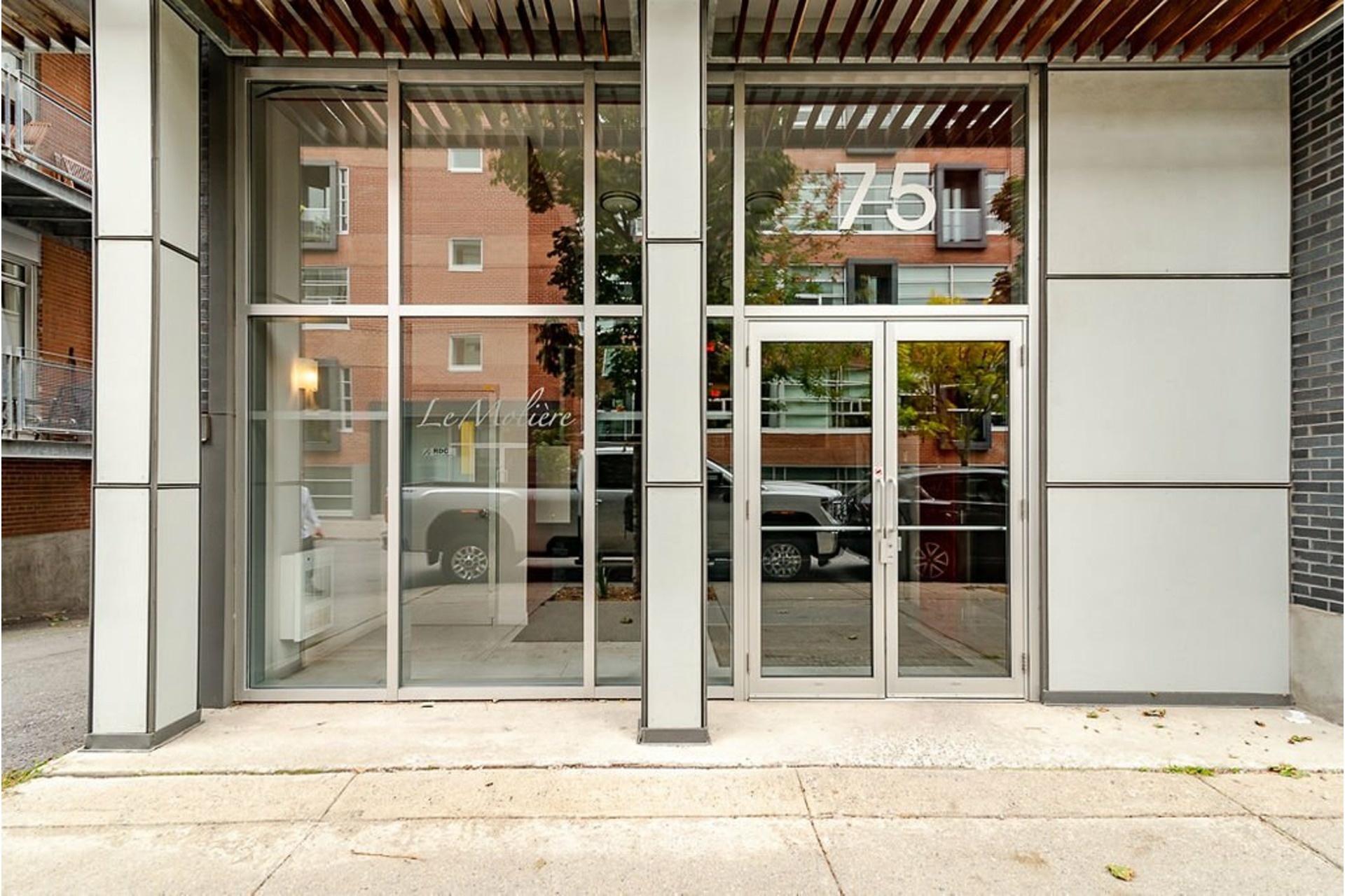 image 35 - Appartement À vendre Villeray/Saint-Michel/Parc-Extension Montréal  - 6 pièces