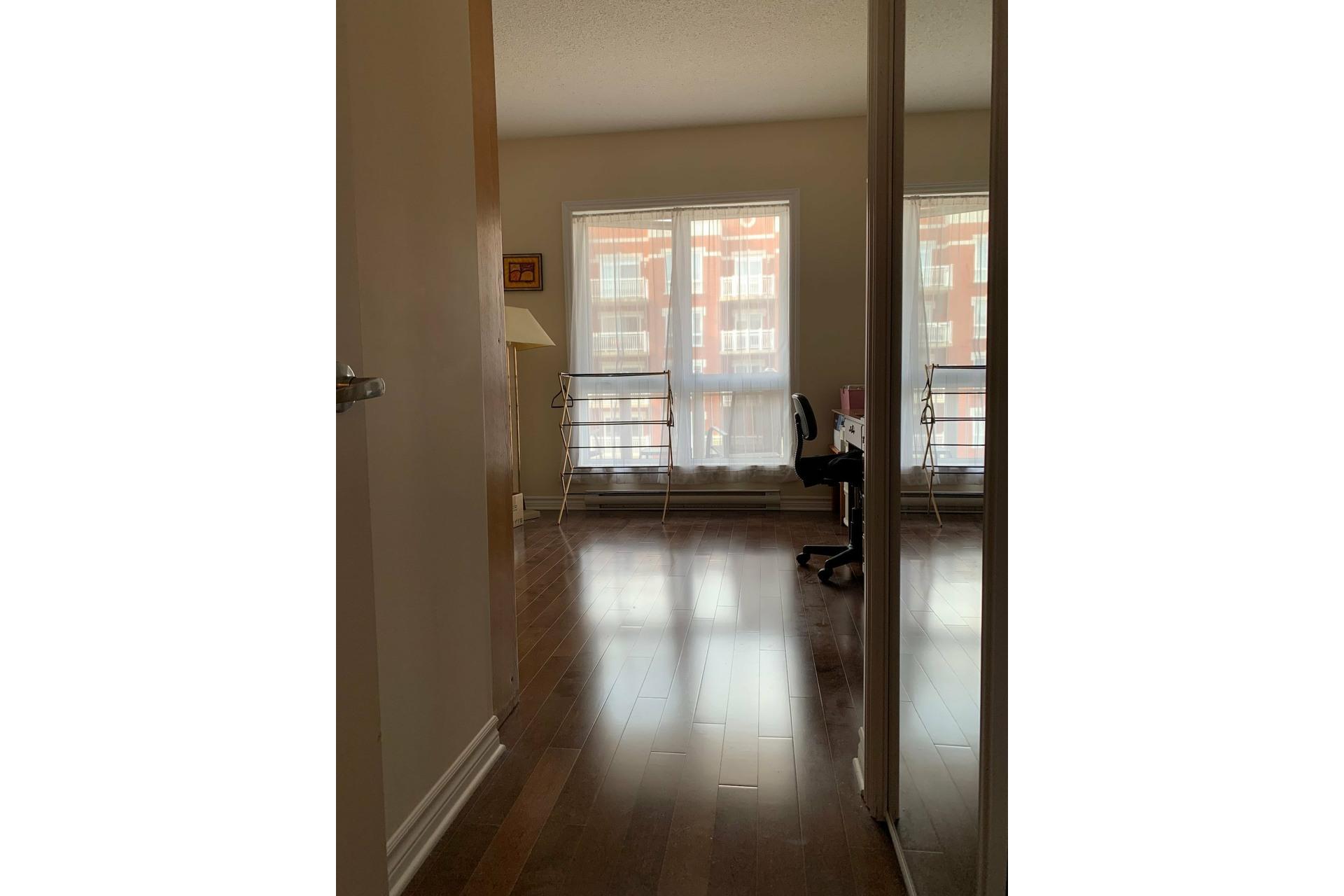 image 9 - Apartment For rent Dollard-Des Ormeaux - 4 rooms