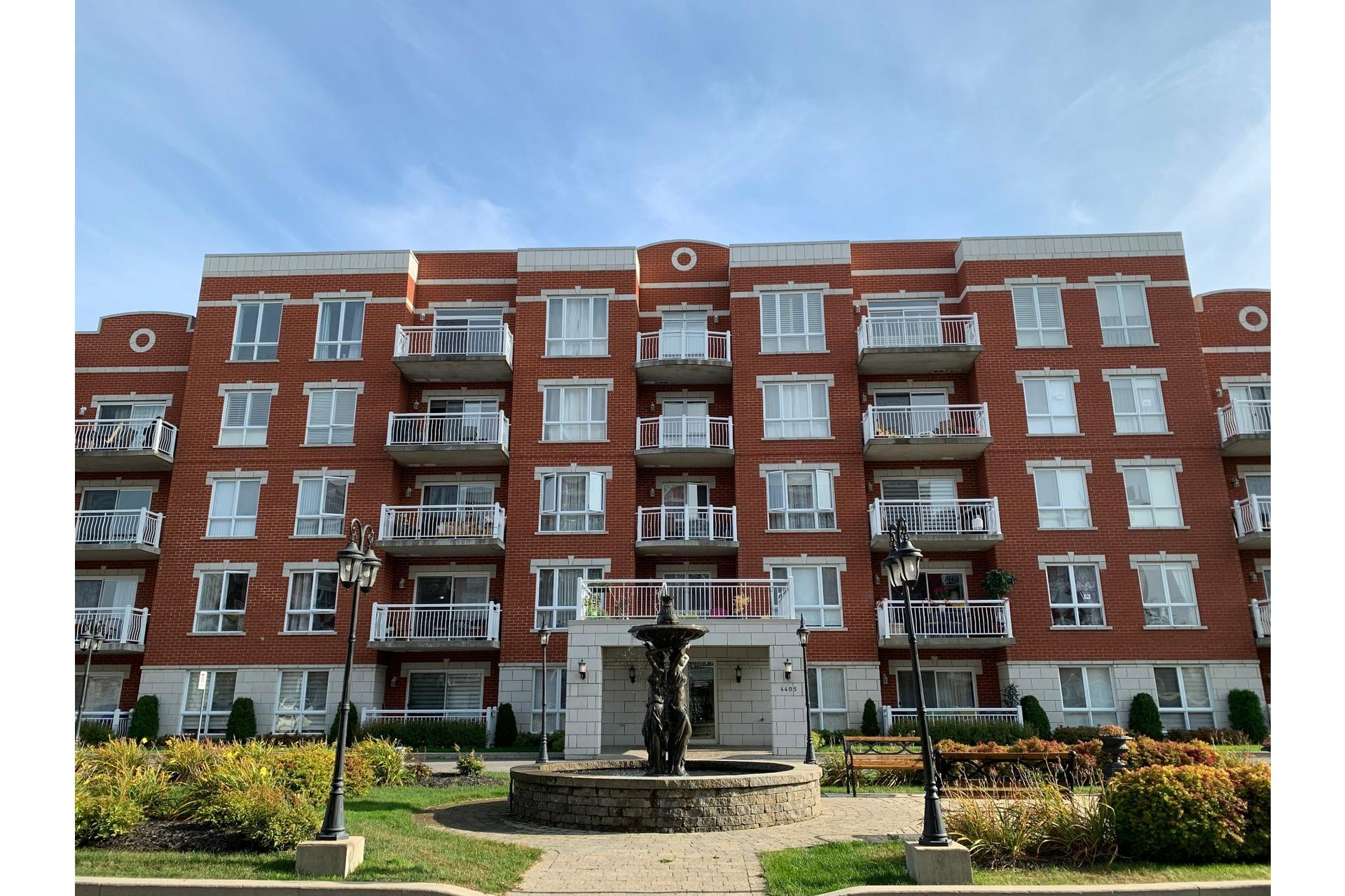 image 0 - Apartment For rent Dollard-Des Ormeaux - 4 rooms