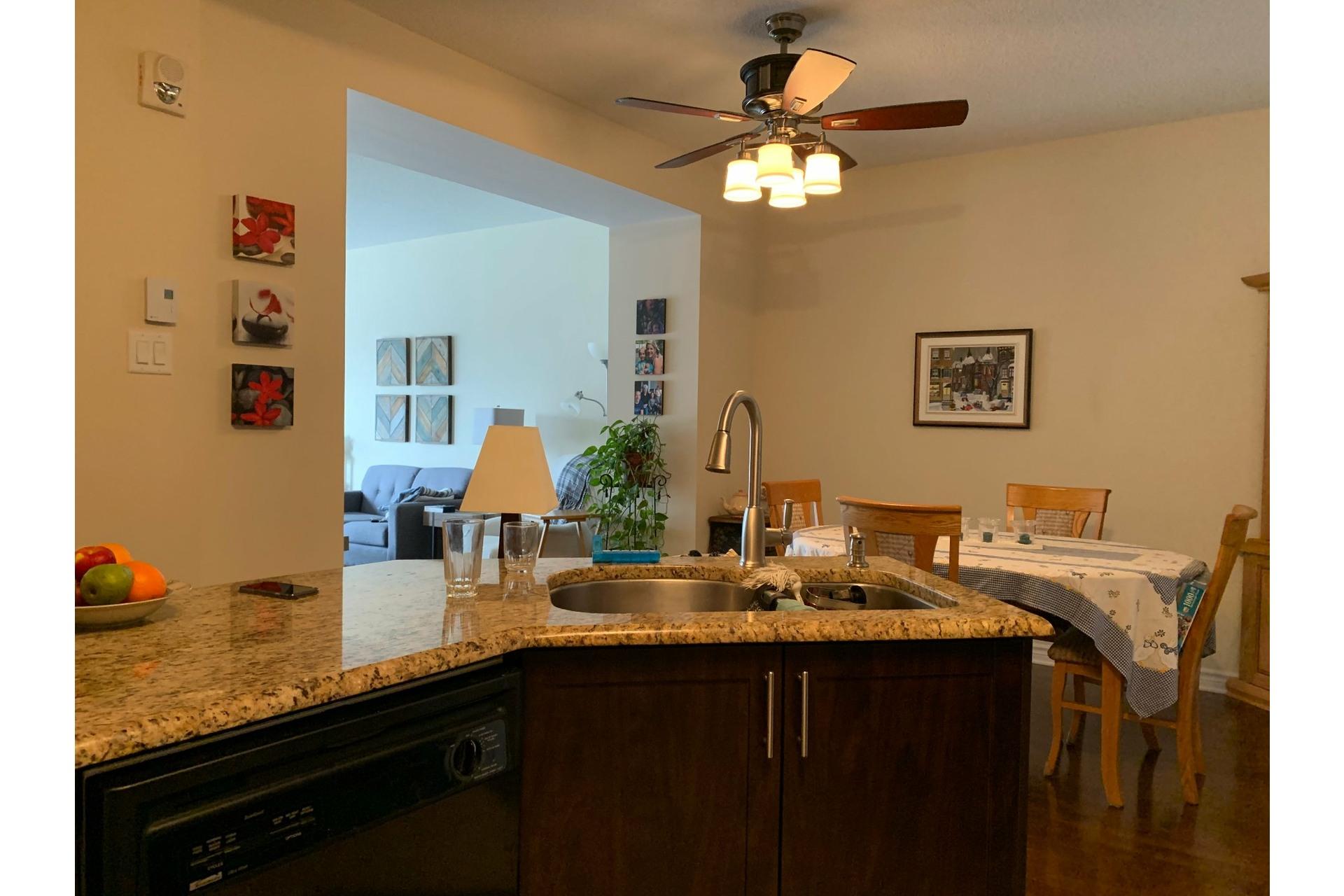 image 3 - Apartment For rent Dollard-Des Ormeaux - 4 rooms