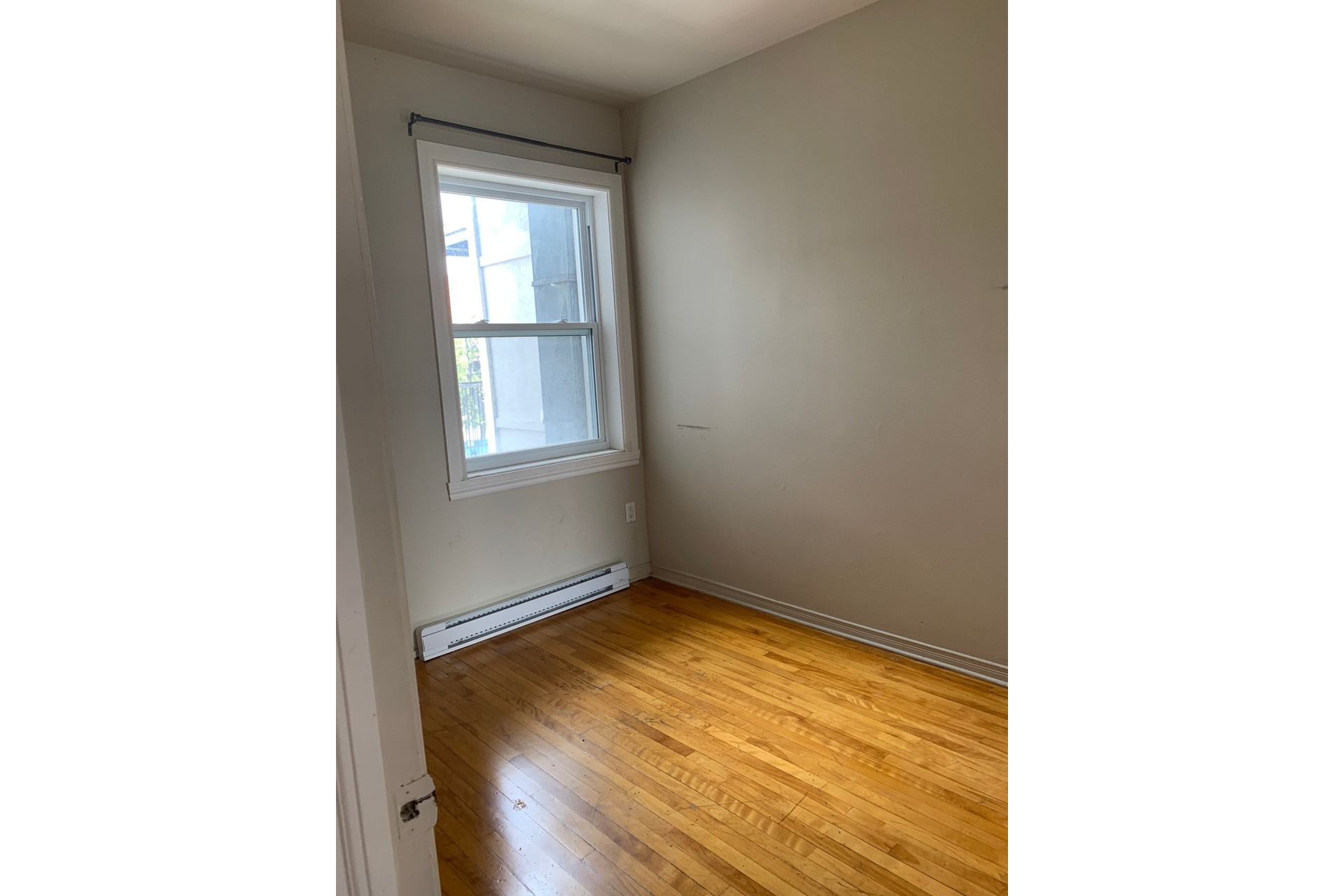 Income property For sale Le Sud-Ouest Montréal  - 4 rooms