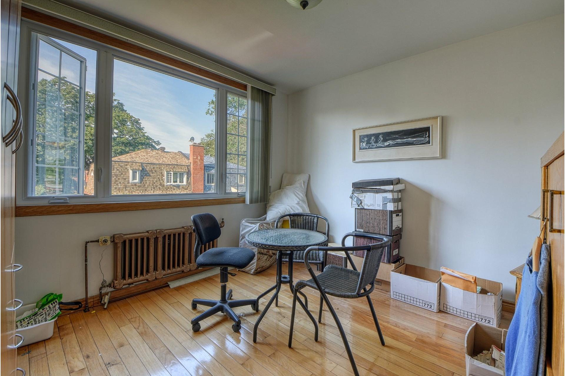 image 10 - Apartment For rent Côte-des-Neiges/Notre-Dame-de-Grâce Montréal  - 6 rooms