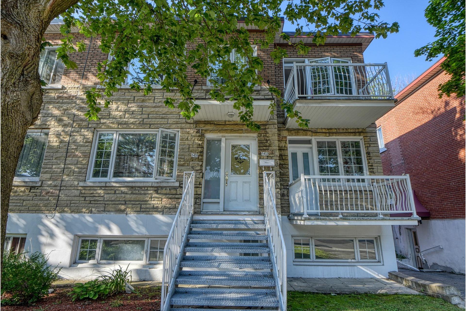 image 0 - Apartment For rent Côte-des-Neiges/Notre-Dame-de-Grâce Montréal  - 4 rooms