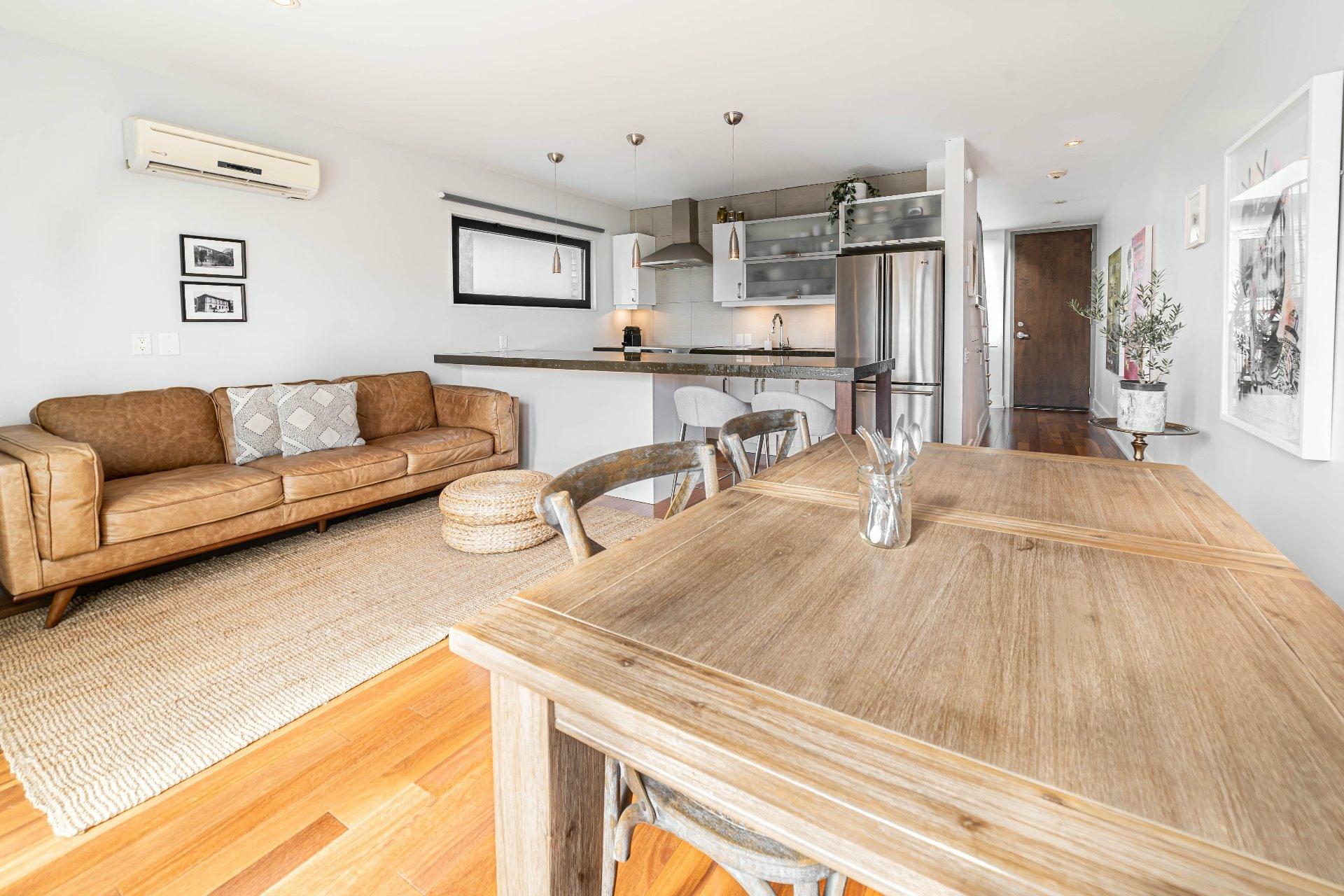 image 5 - Apartment For rent Le Sud-Ouest Montréal  - 4 rooms