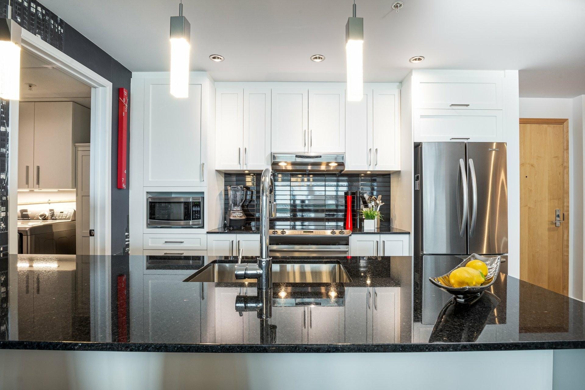 image 4 - Appartement À vendre Les Rivières Québec  - 9 pièces