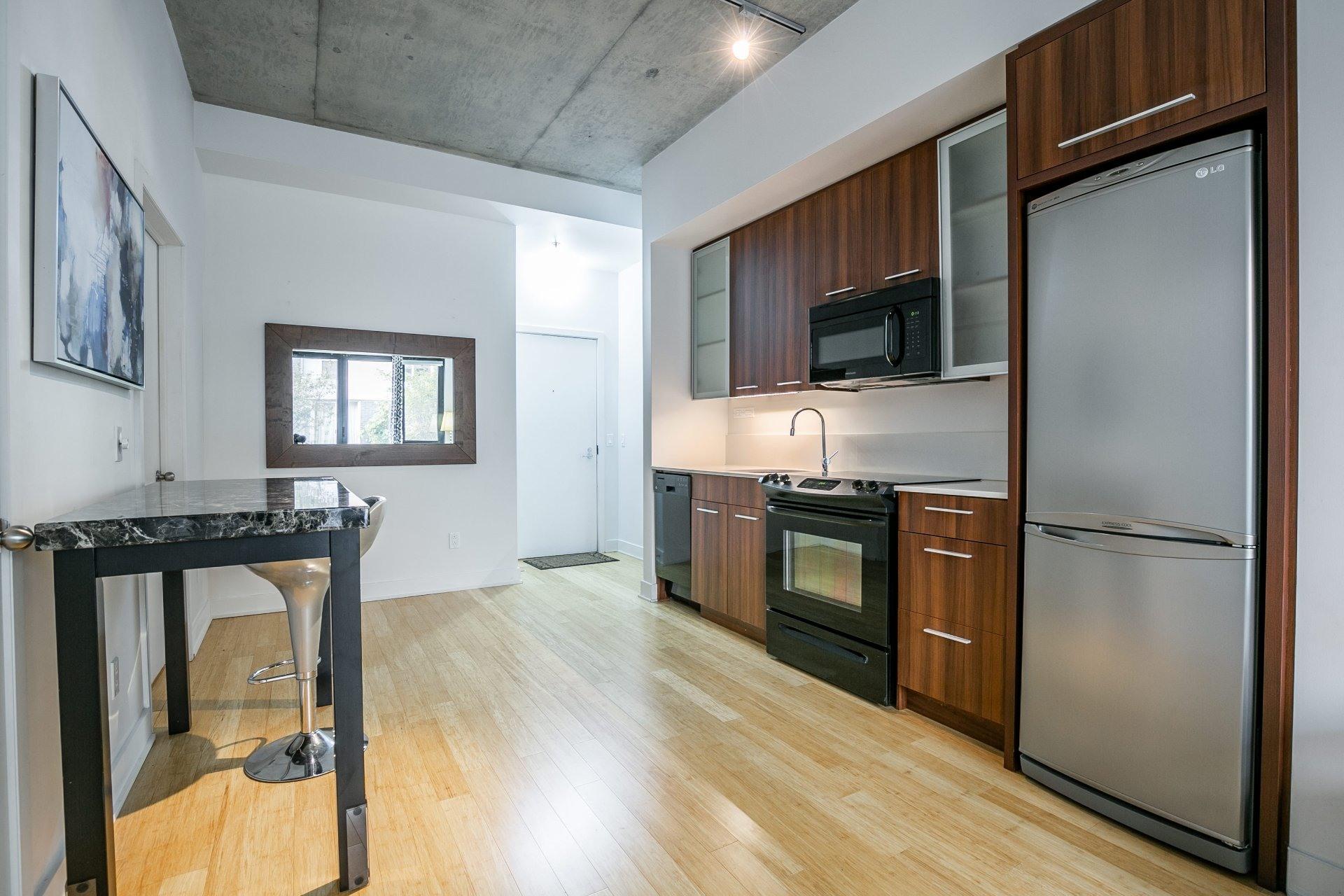 image 3 - Appartement À vendre Le Sud-Ouest Montréal  - 4 pièces