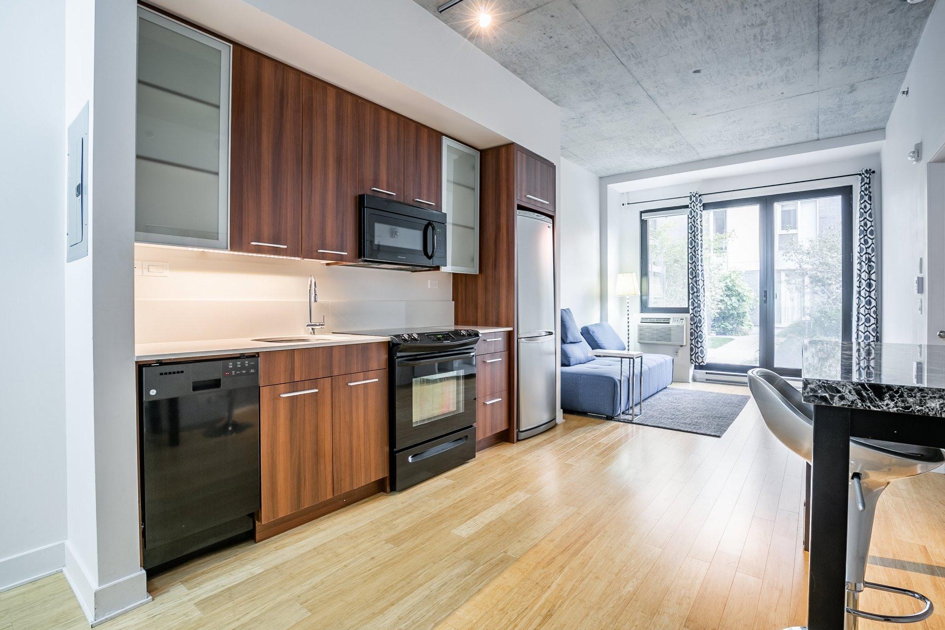 image 8 - Appartement À vendre Le Sud-Ouest Montréal  - 4 pièces