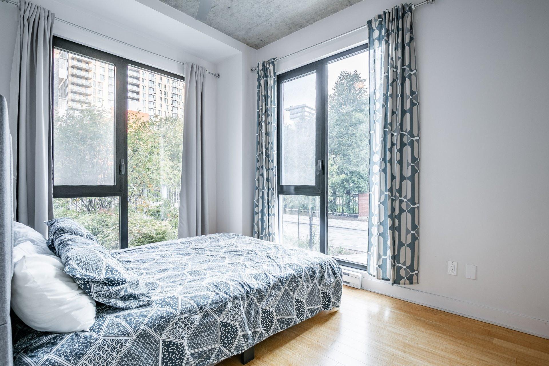 image 6 - Appartement À vendre Le Sud-Ouest Montréal  - 4 pièces
