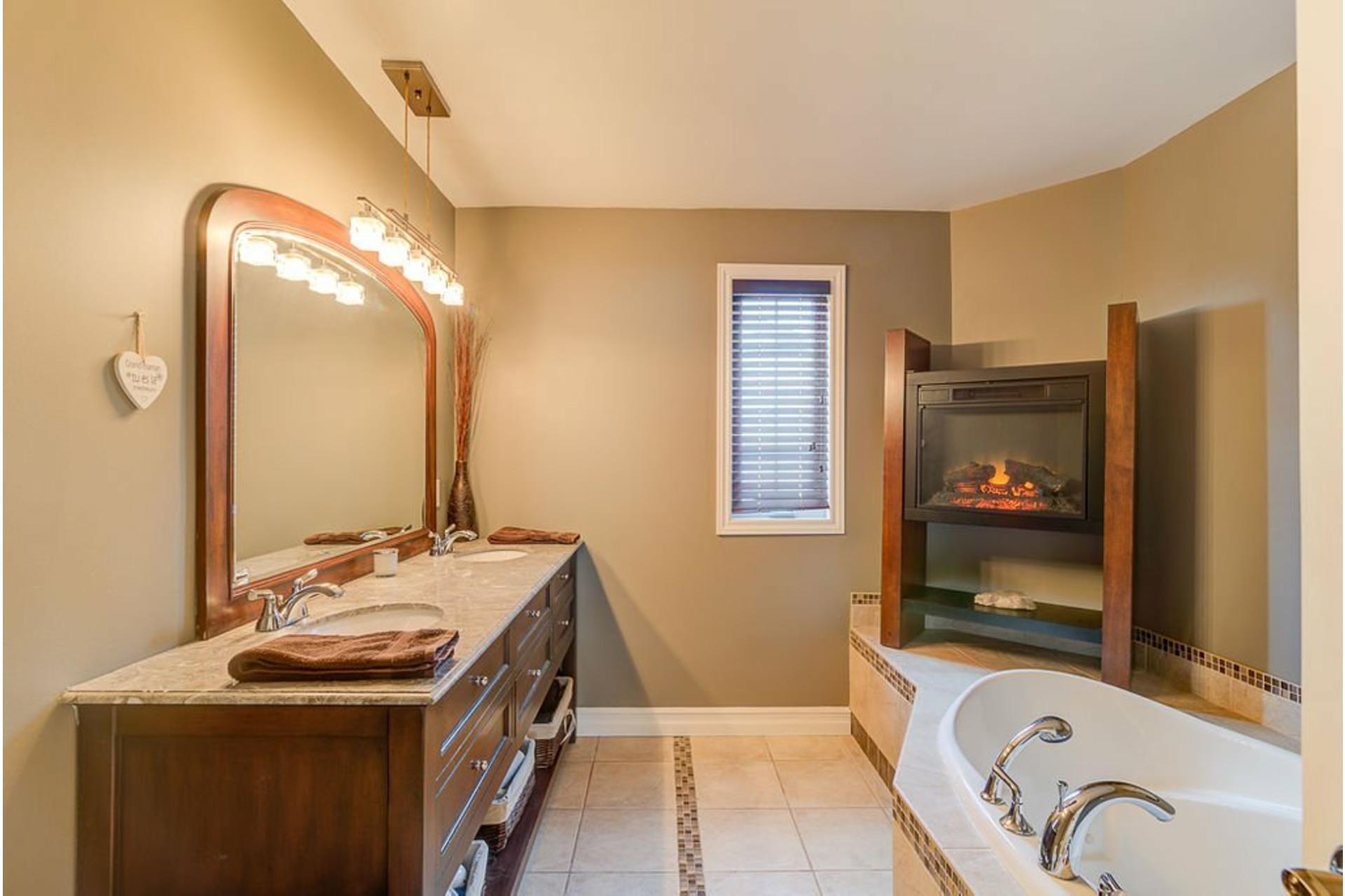 image 24 - House For sale Sainte-Anne-des-Plaines - 11 rooms