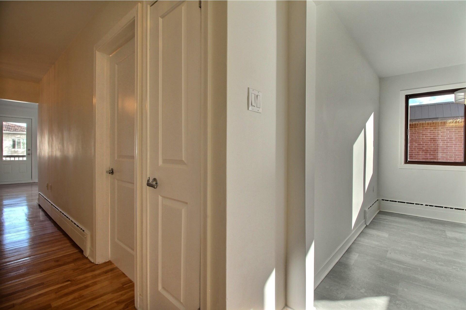 image 6 - Appartement À louer Saint-Léonard Montréal  - 6 pièces