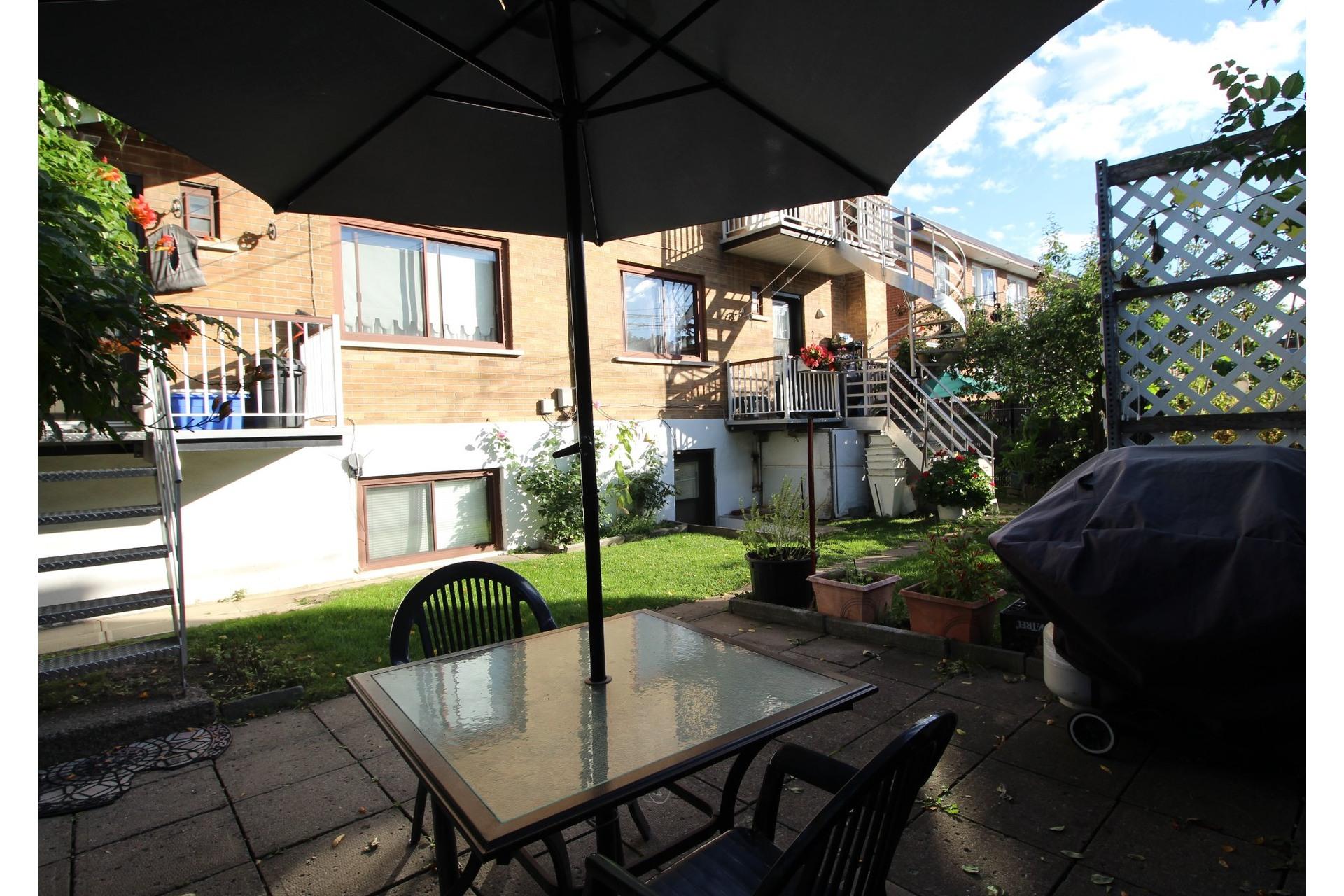 image 24 - Appartement À louer Saint-Léonard Montréal  - 6 pièces