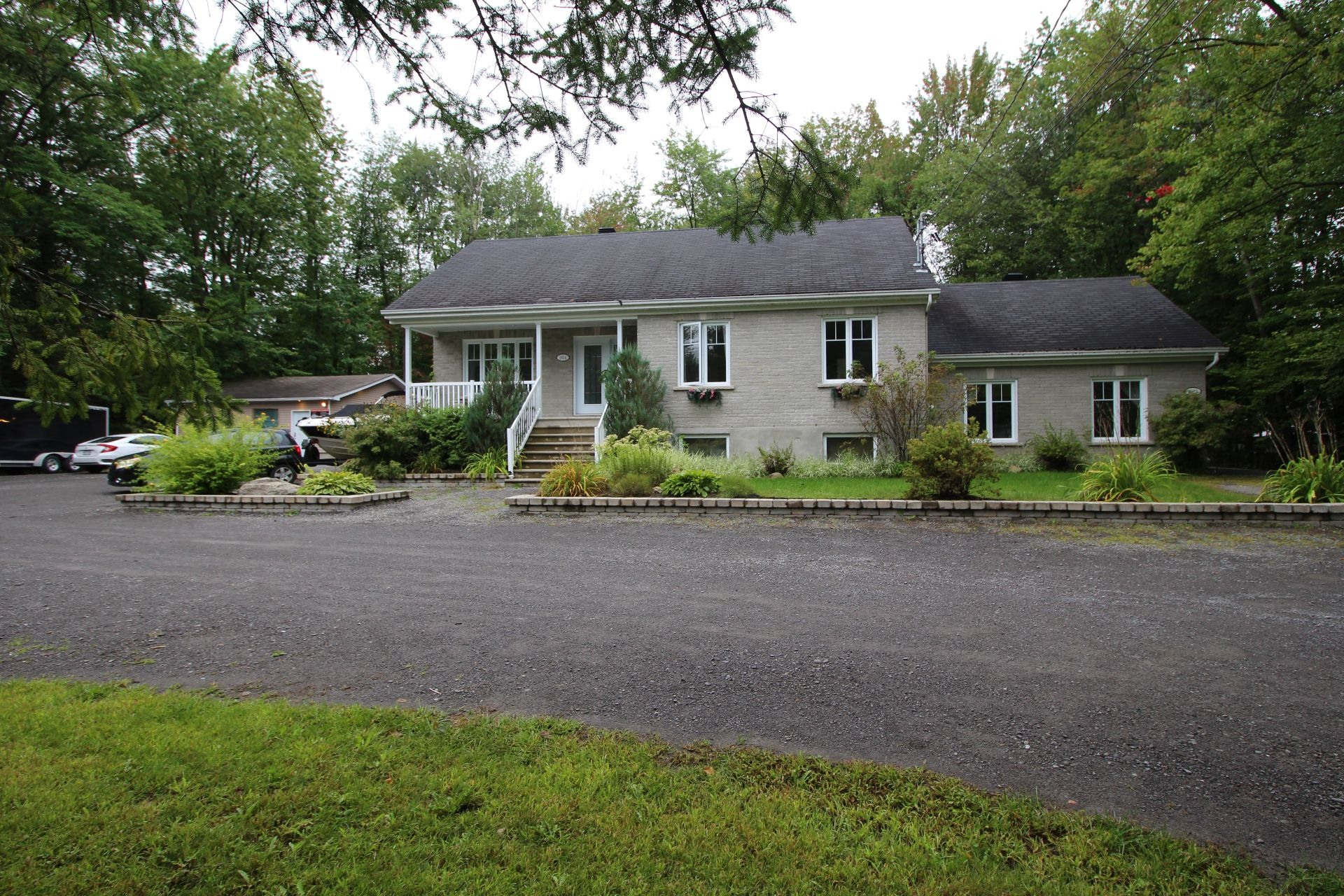 image 1 - House For sale Mascouche - 15 rooms