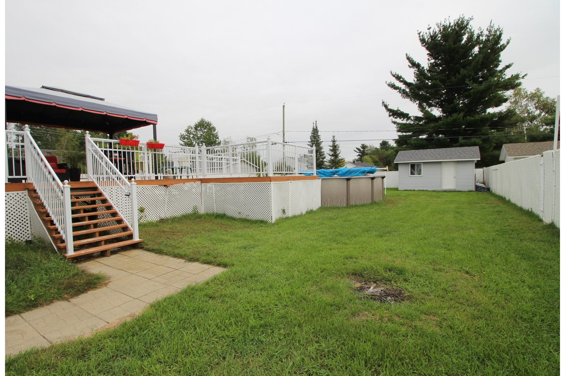 image 2 - House For sale La Plaine Terrebonne  - 8 rooms