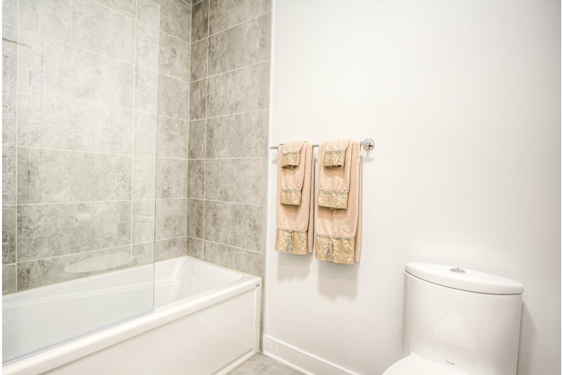 image 15 - Appartement À vendre Beaconsfield - 8 pièces