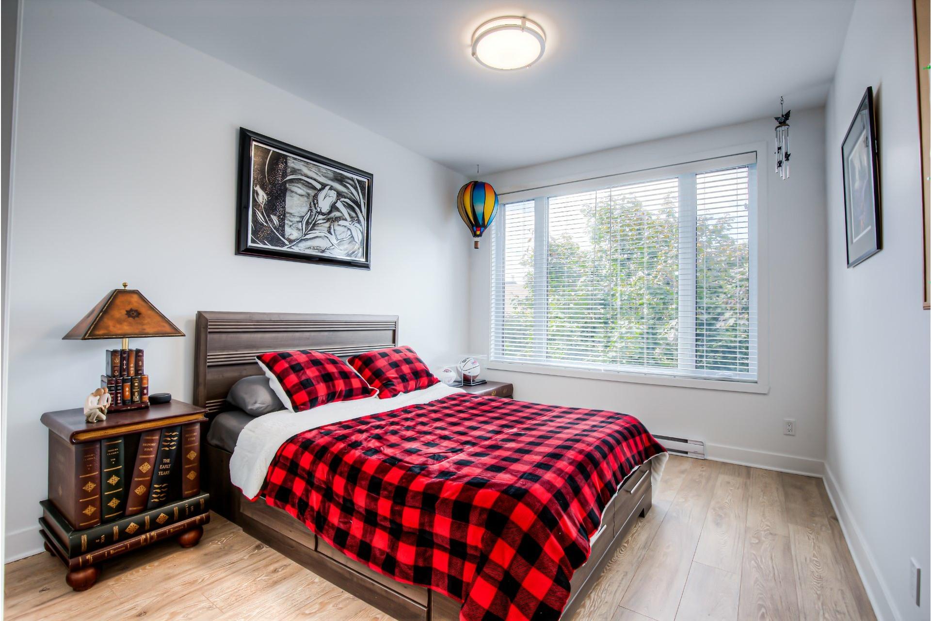 image 12 - Appartement À vendre Beaconsfield - 8 pièces