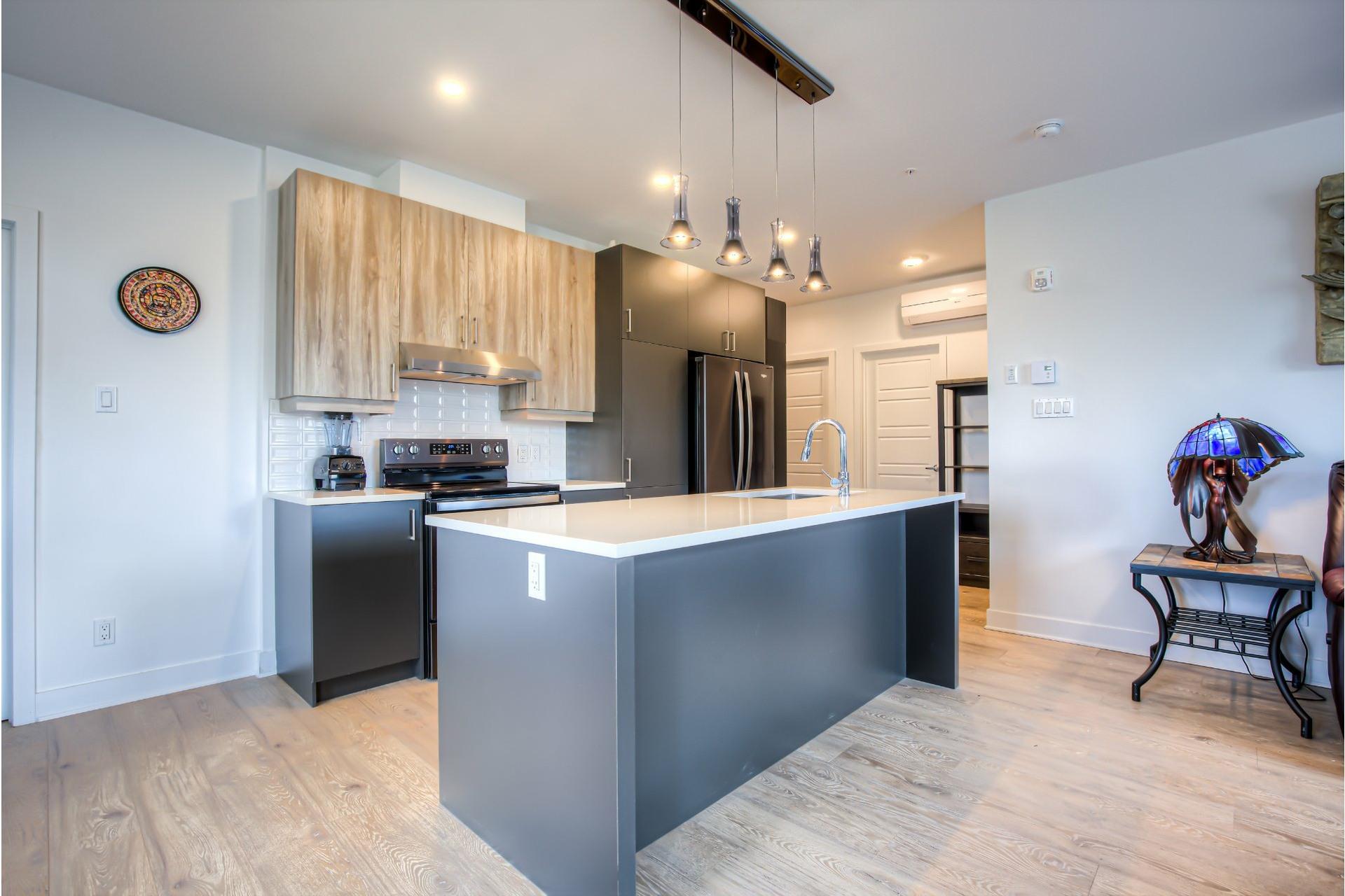 image 8 - Appartement À vendre Beaconsfield - 8 pièces