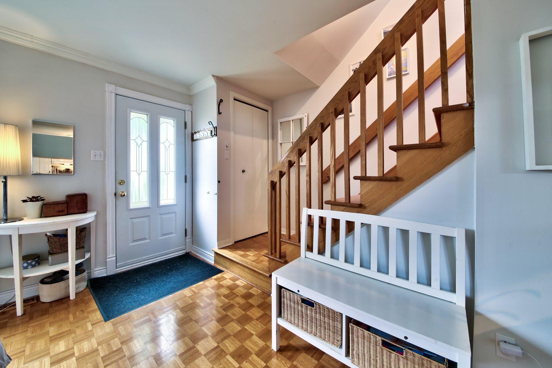 image 2 - Maison À vendre Sainte-Rose Laval  - 7 pièces