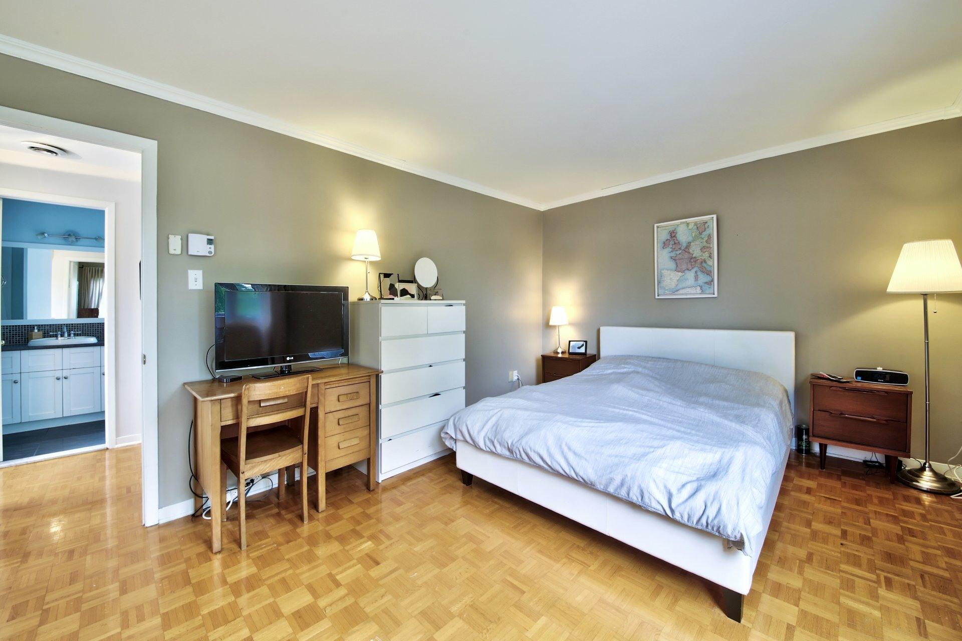 image 14 - Maison À vendre Sainte-Rose Laval  - 7 pièces