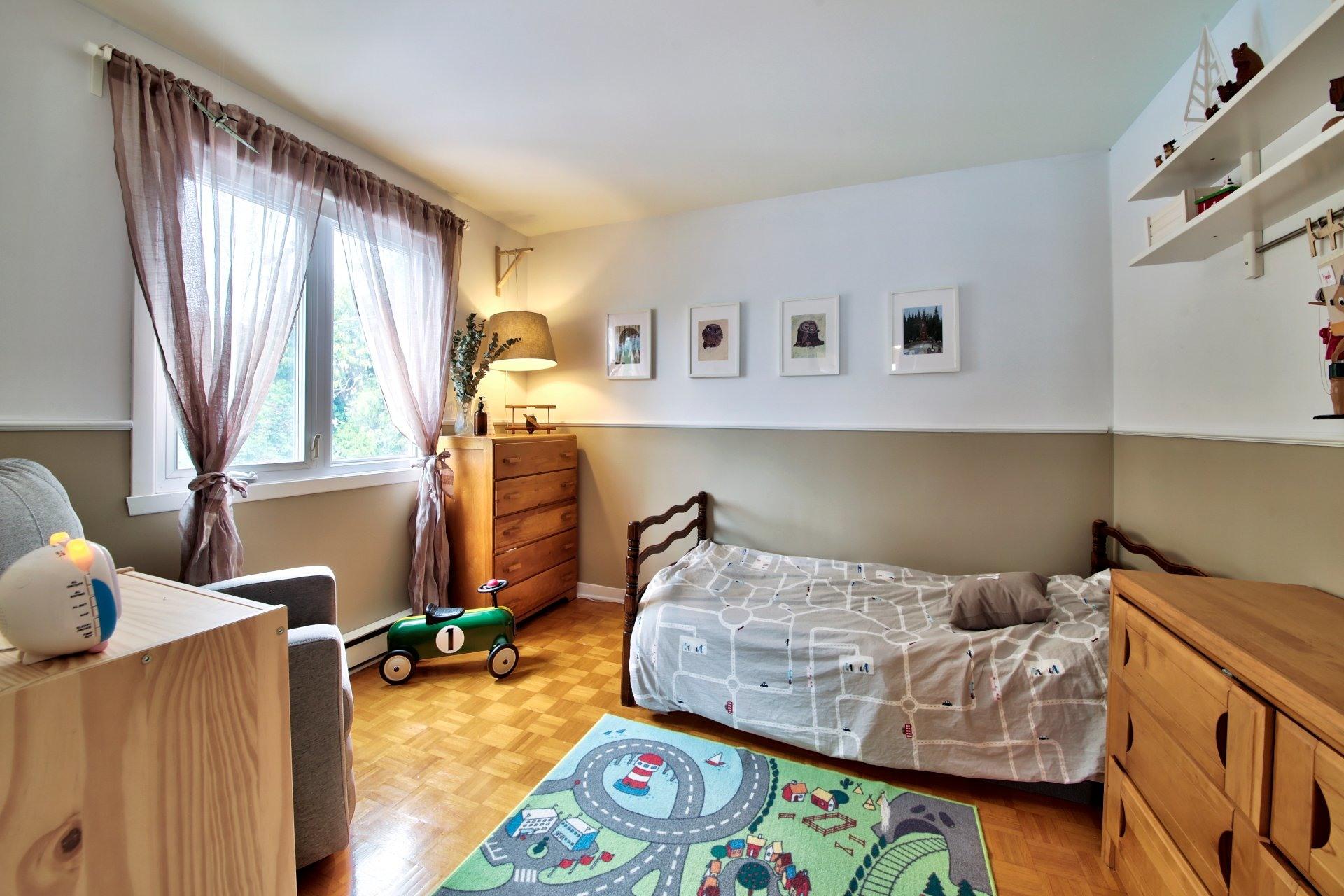 image 15 - Maison À vendre Sainte-Rose Laval  - 7 pièces