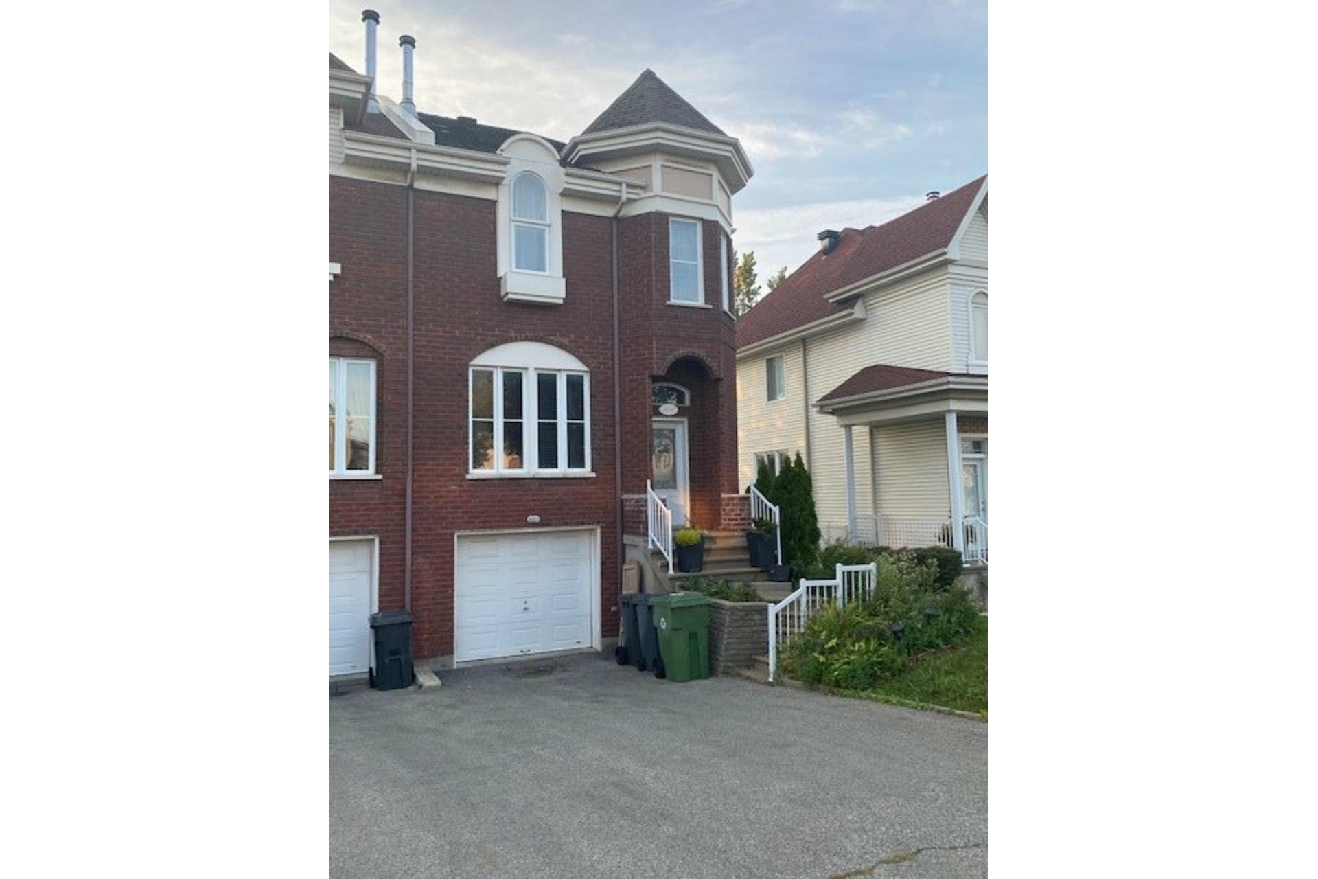image 10 - Maison À vendre Rivière-des-Prairies/Pointe-aux-Trembles Montréal  - 12 pièces