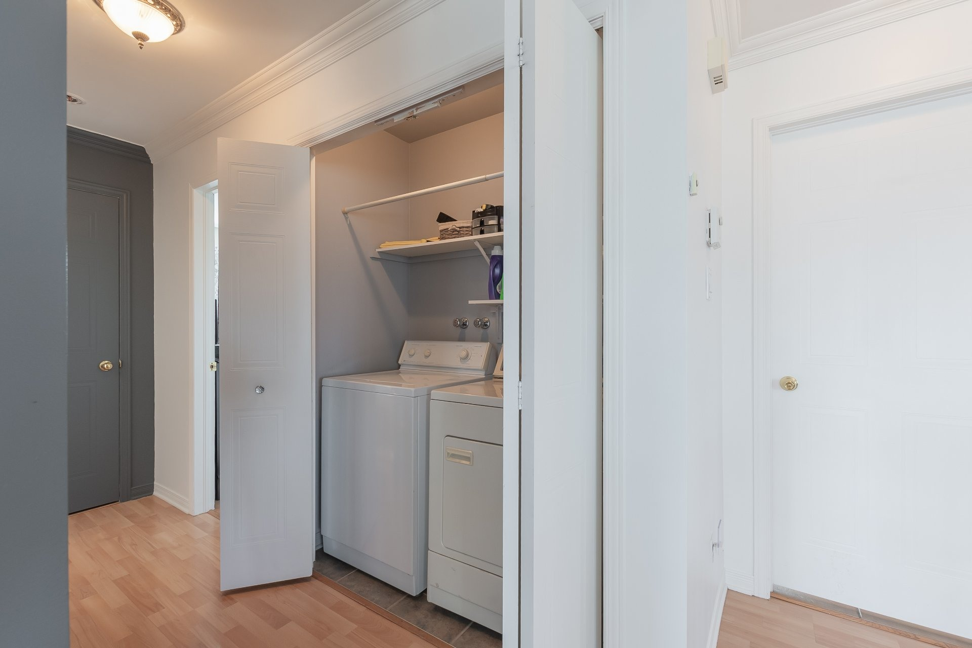 image 13 - Apartment For sale Sainte-Catherine - 5 rooms