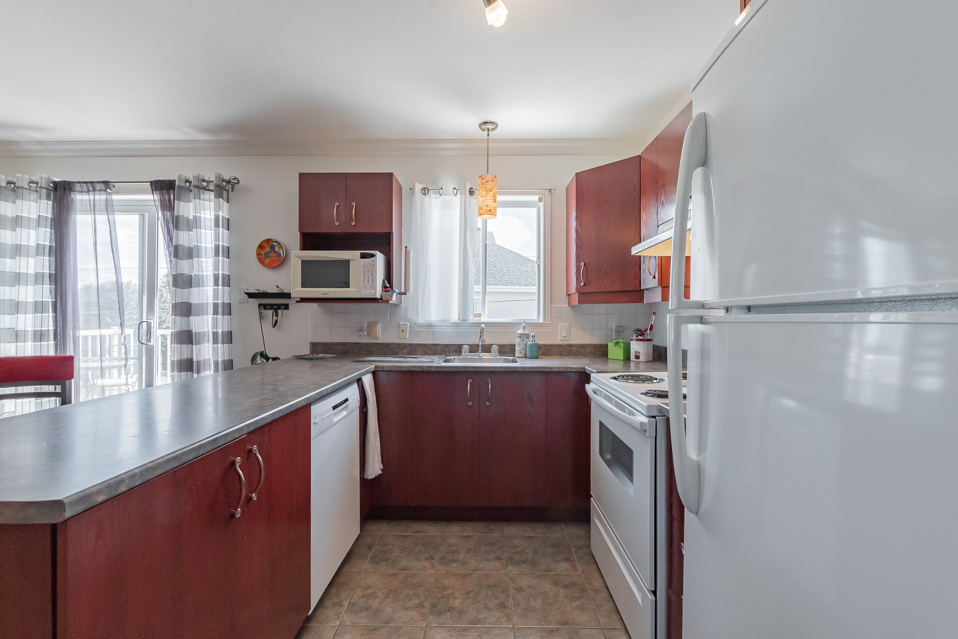 image 10 - Apartment For sale Sainte-Catherine - 5 rooms