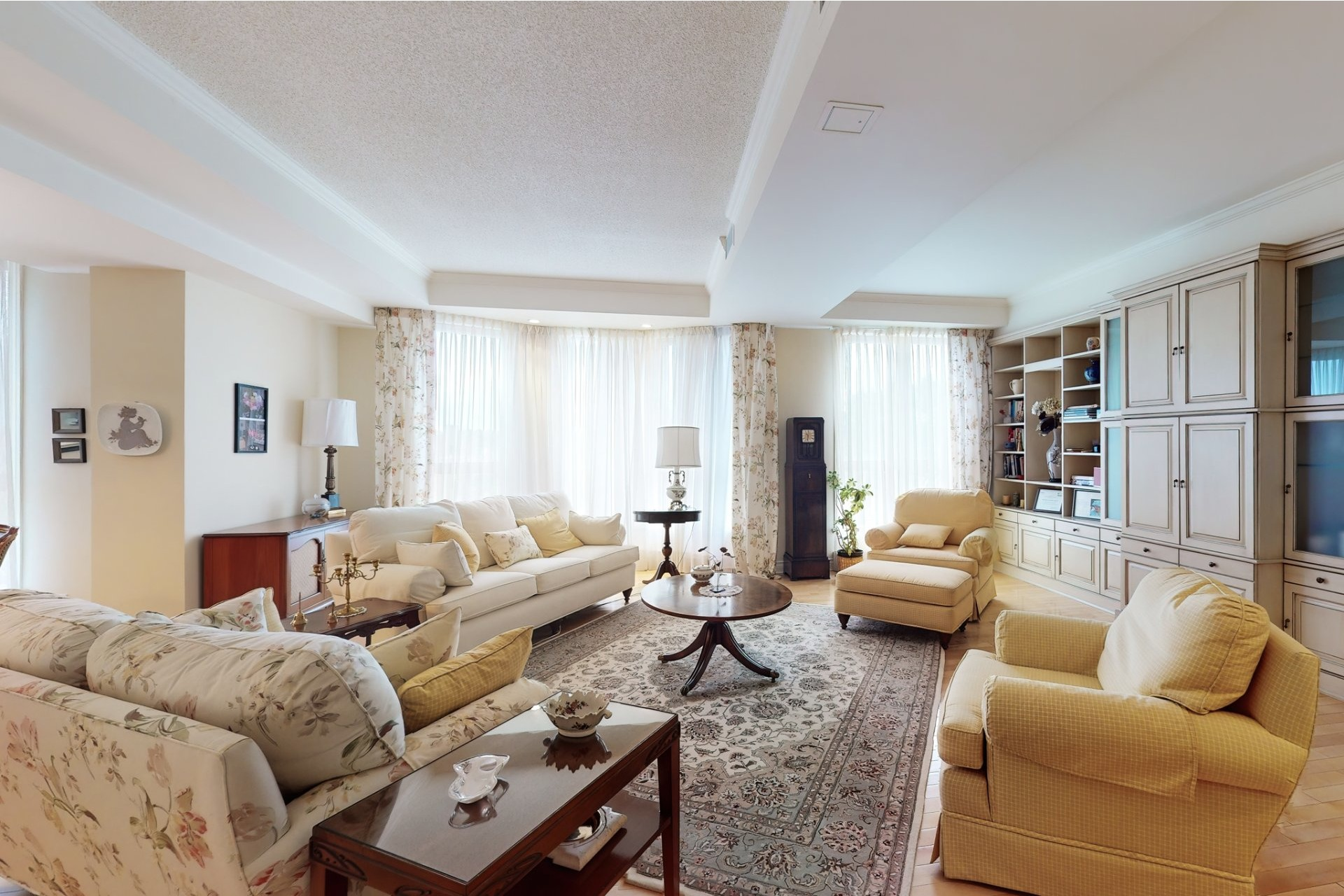Apartment For sale Mont-Royal - 8 rooms