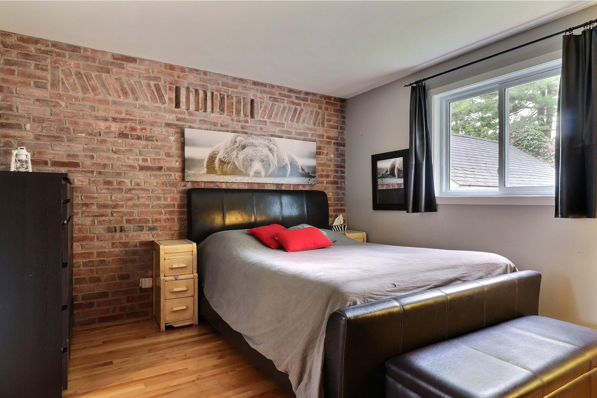 image 11 - House For sale Bois-des-Filion - 8 rooms