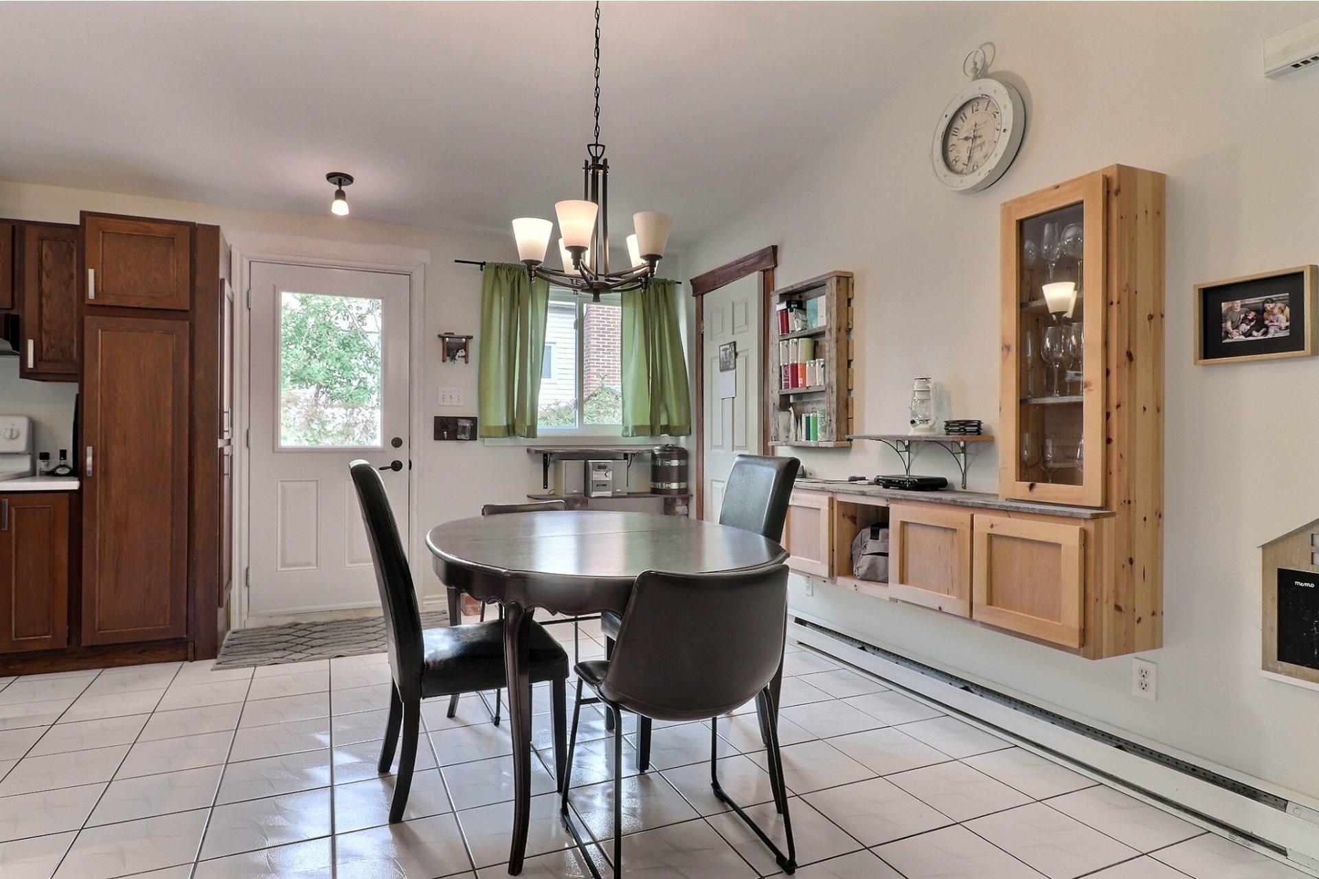 image 6 - House For sale Bois-des-Filion - 8 rooms