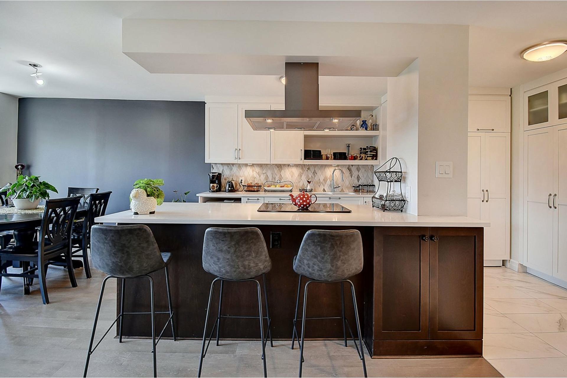 image 6 - Apartment For sale Côte-Saint-Luc - 8 rooms