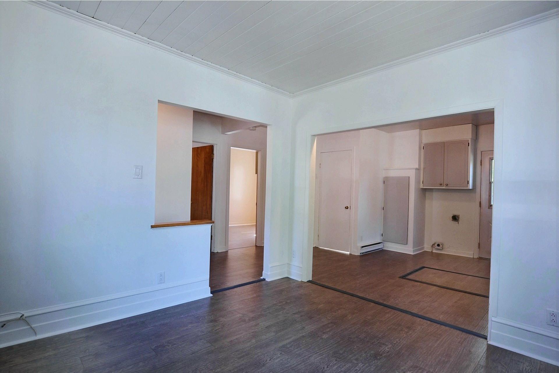image 2 - Duplex For sale Sainte-Anne-des-Plaines - 4 rooms