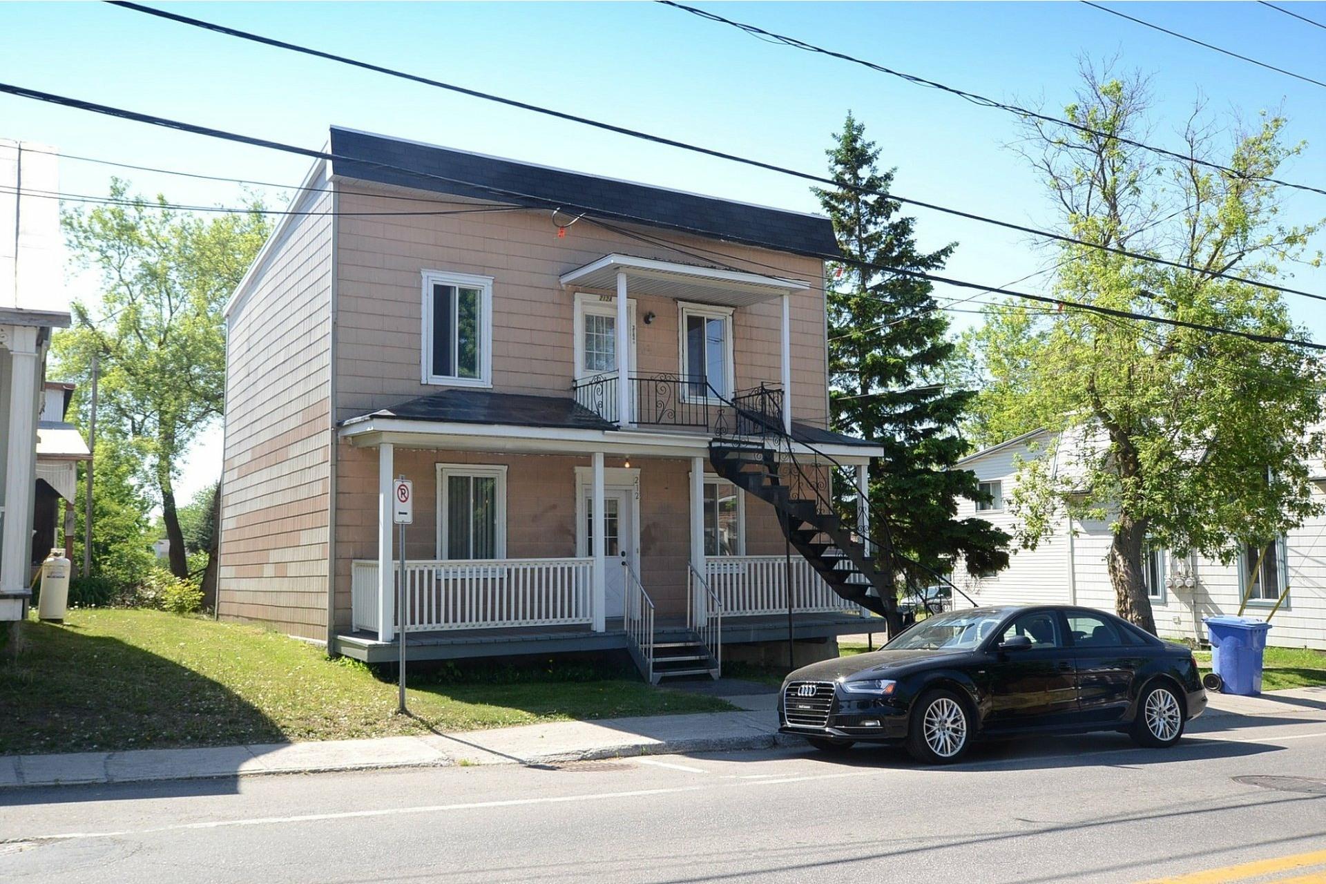 image 0 - Duplex For sale Sainte-Anne-des-Plaines - 4 rooms