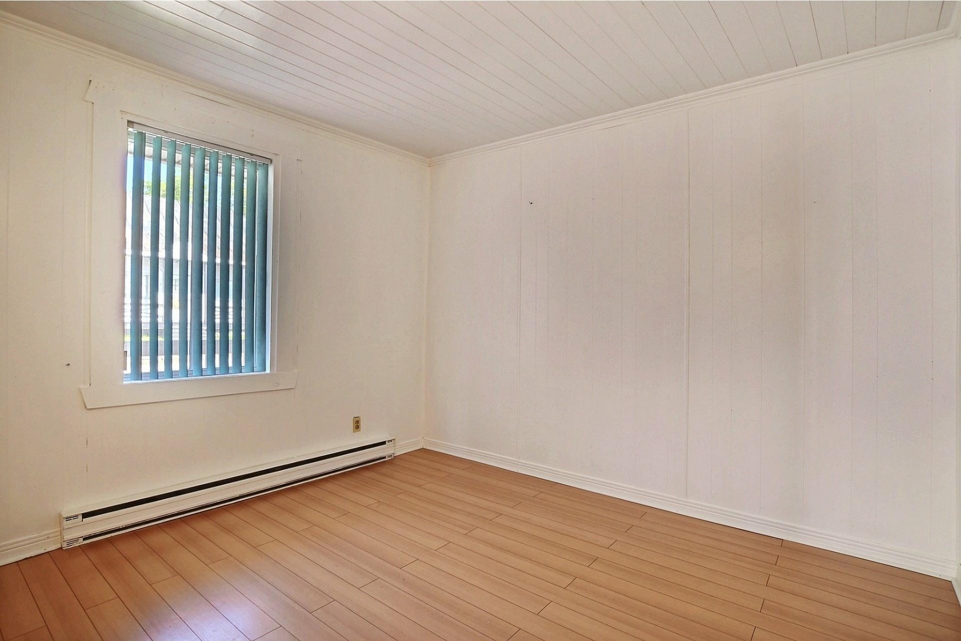 image 8 - Duplex For sale Sainte-Anne-des-Plaines - 4 rooms
