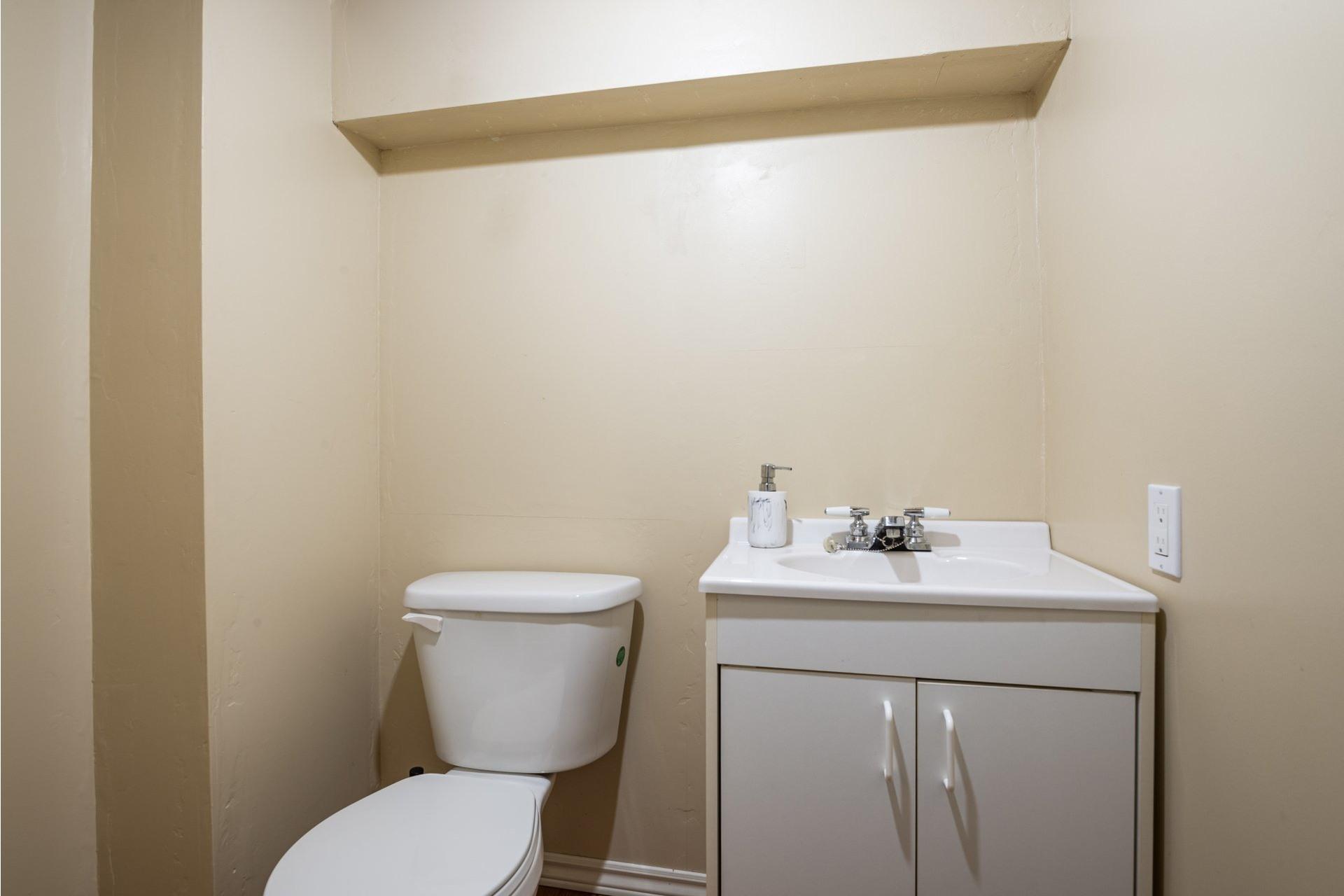 image 18 - House For sale Fossambault-sur-le-Lac - 9 rooms