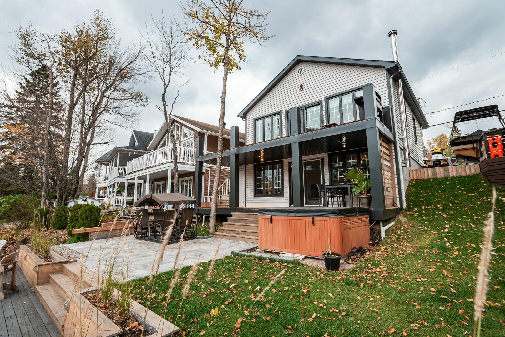 image 2 - House For sale Fossambault-sur-le-Lac - 9 rooms