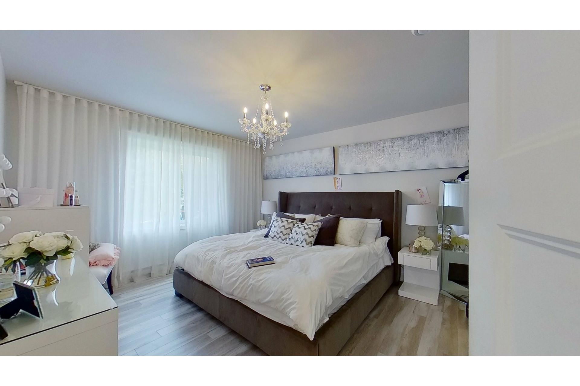image 17 - House For sale Saint-Eustache - 11 rooms