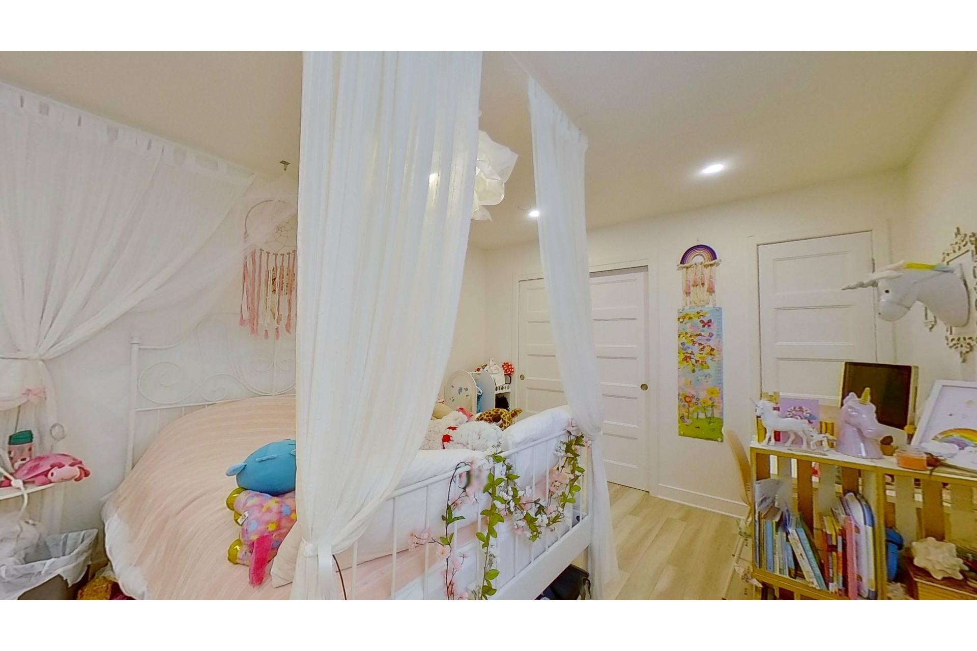 image 31 - House For sale Saint-Eustache - 11 rooms