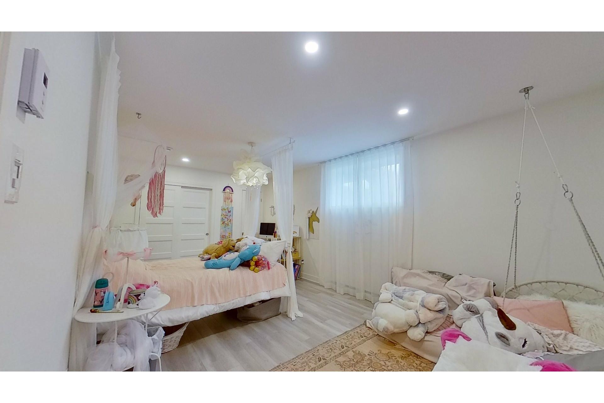 image 29 - House For sale Saint-Eustache - 11 rooms