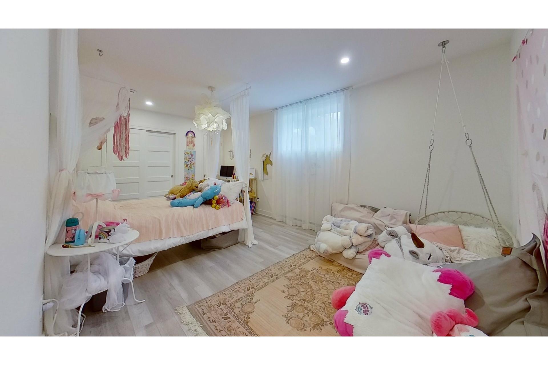 image 32 - House For sale Saint-Eustache - 11 rooms