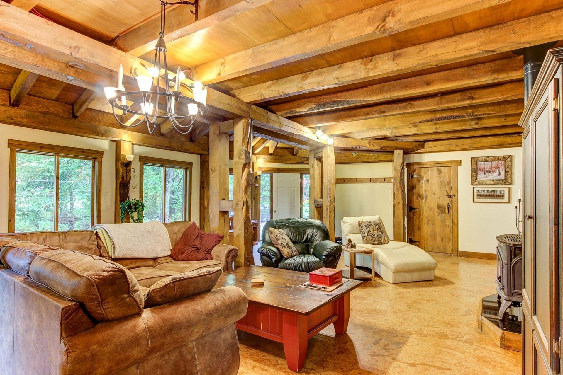 image 7 - Maison À vendre Notre-Dame-du-Mont-Carmel - 10 pièces