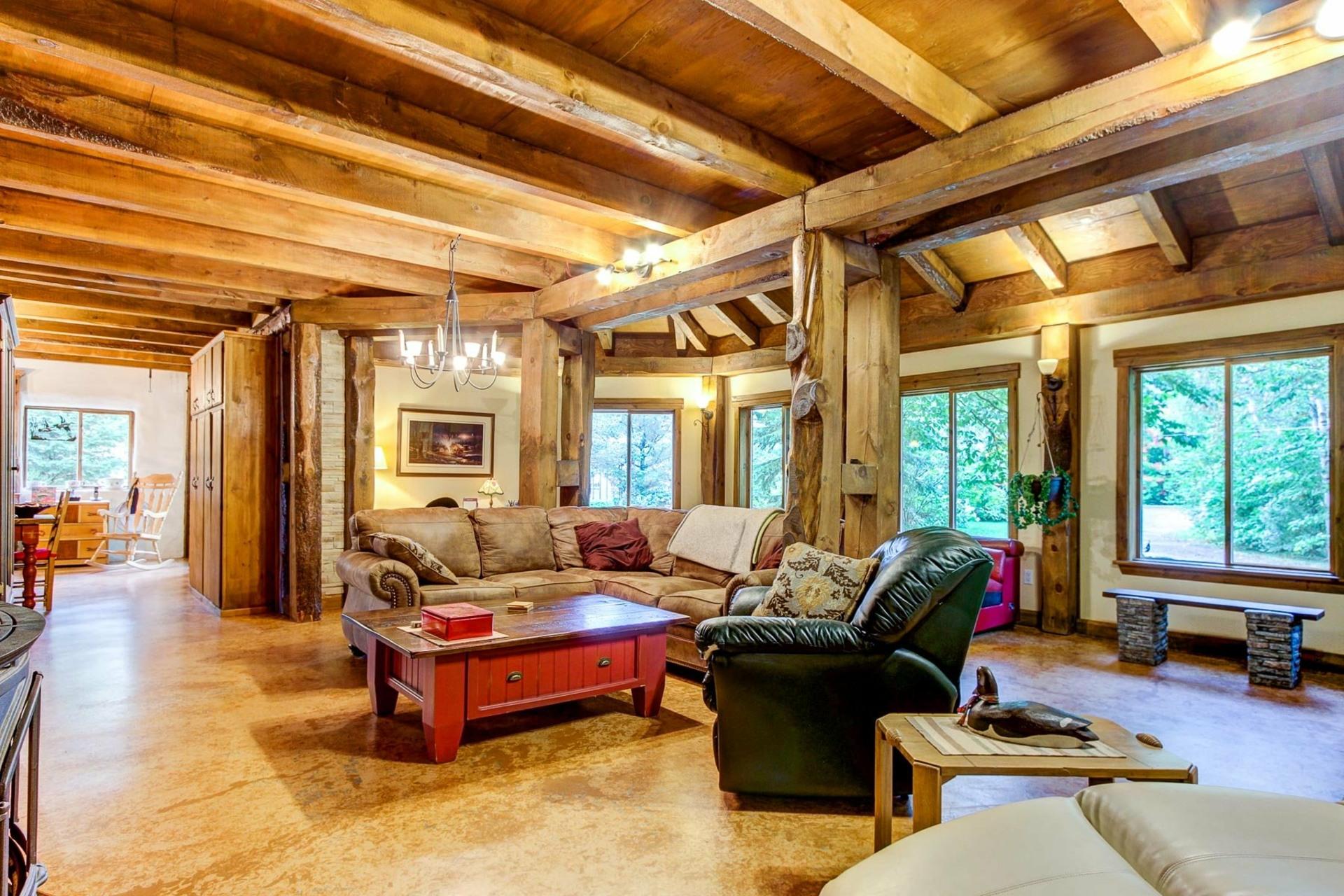 image 6 - Maison À vendre Notre-Dame-du-Mont-Carmel - 10 pièces