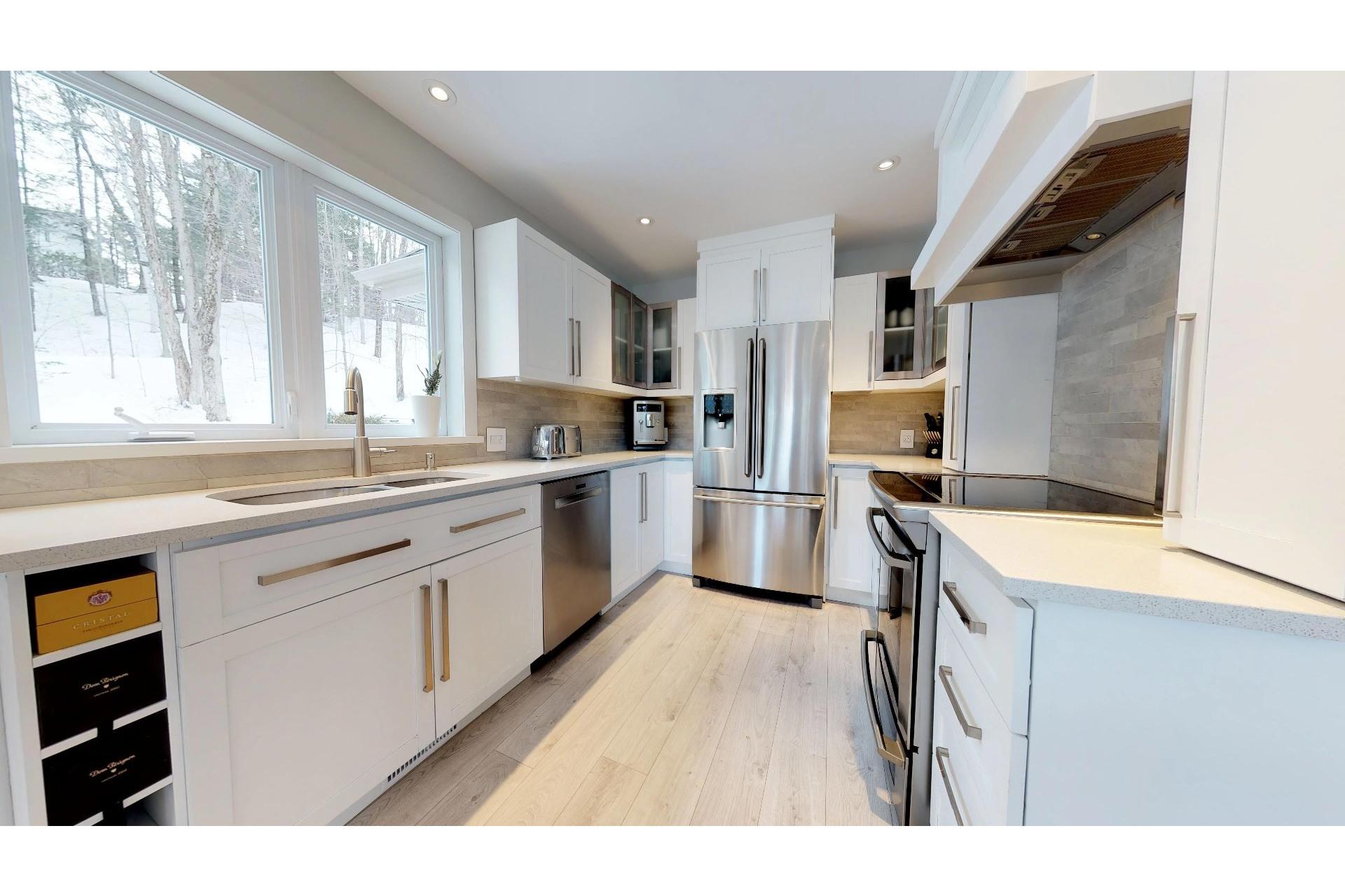 image 5 - House For sale Saint-Ambroise-de-Kildare - 14 rooms