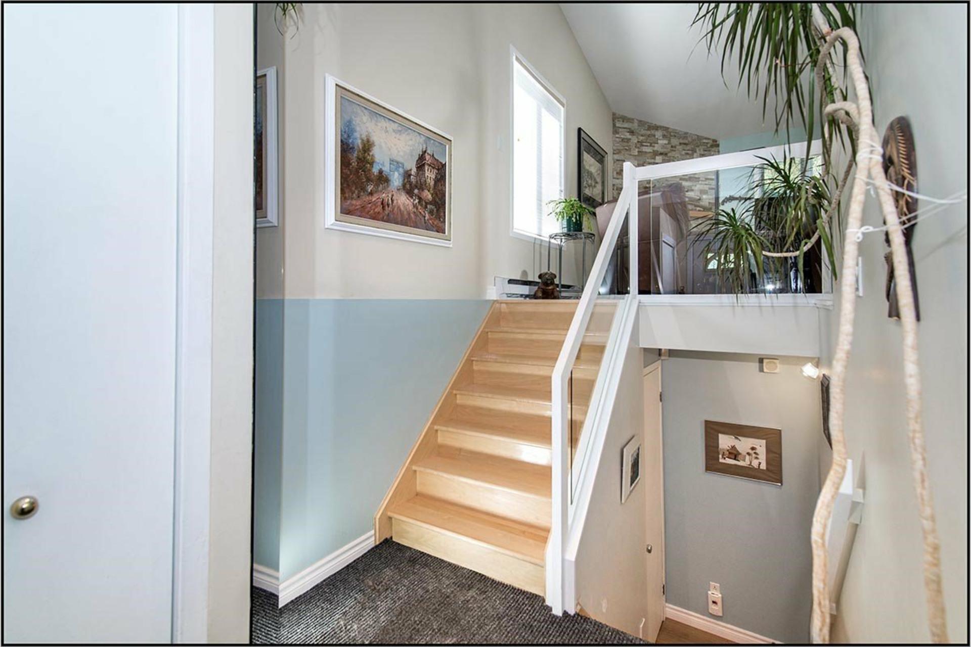 image 6 - House For sale Saint-Ferréol-les-Neiges - 11 rooms