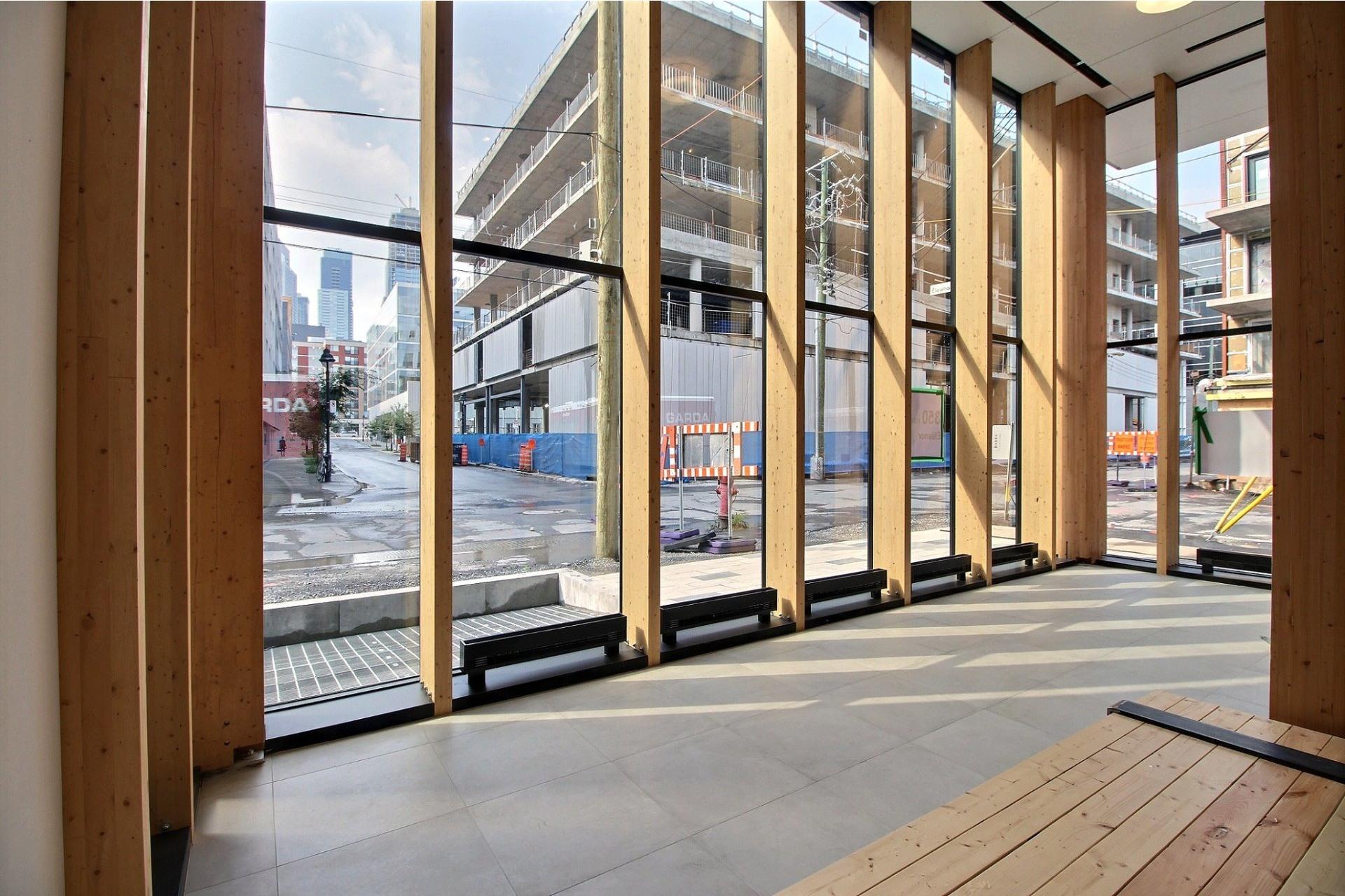 image 1 - Apartment For rent Le Sud-Ouest Montréal  - 4 rooms