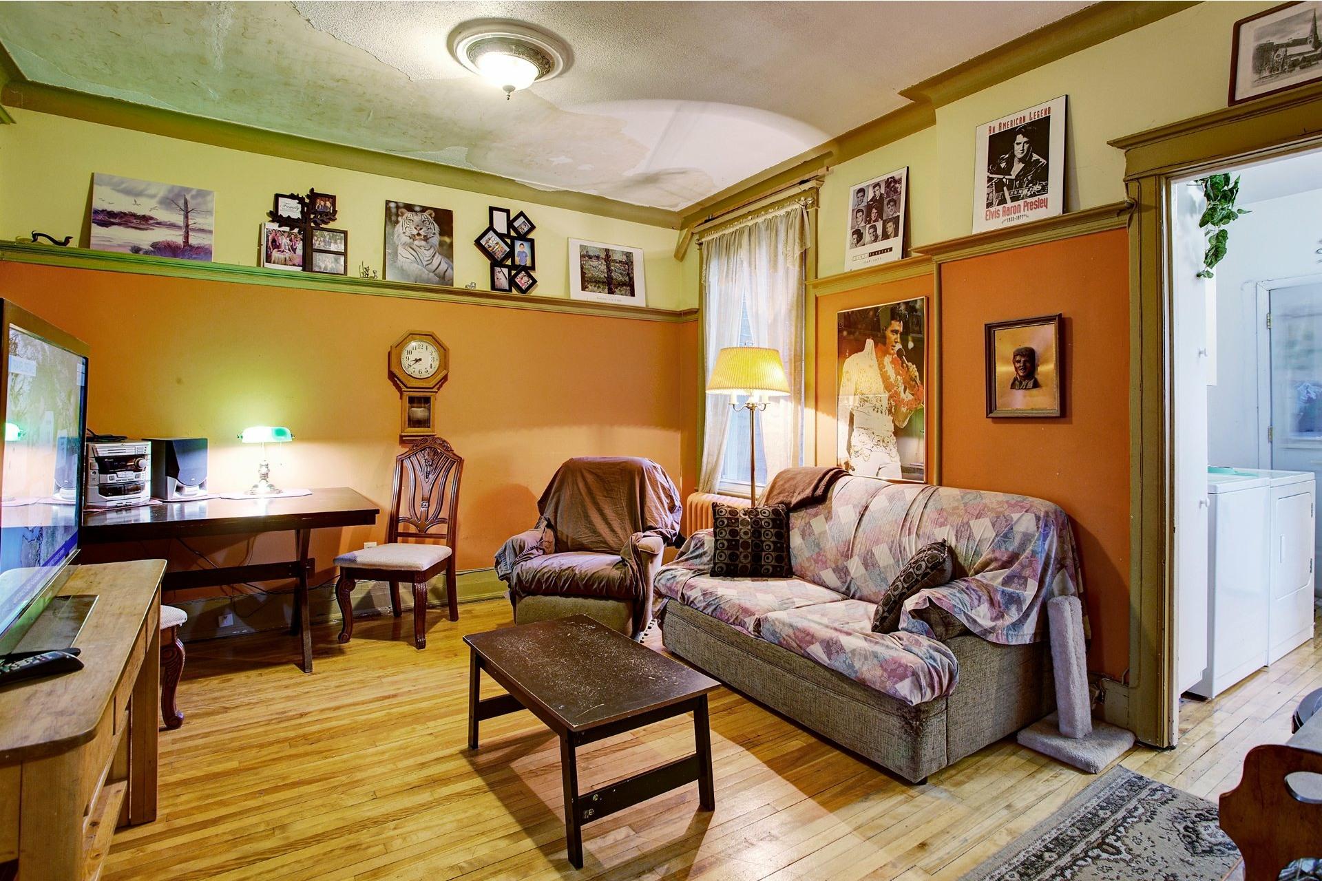 image 9 - Triplex For sale Le Sud-Ouest Montréal  - 6 rooms