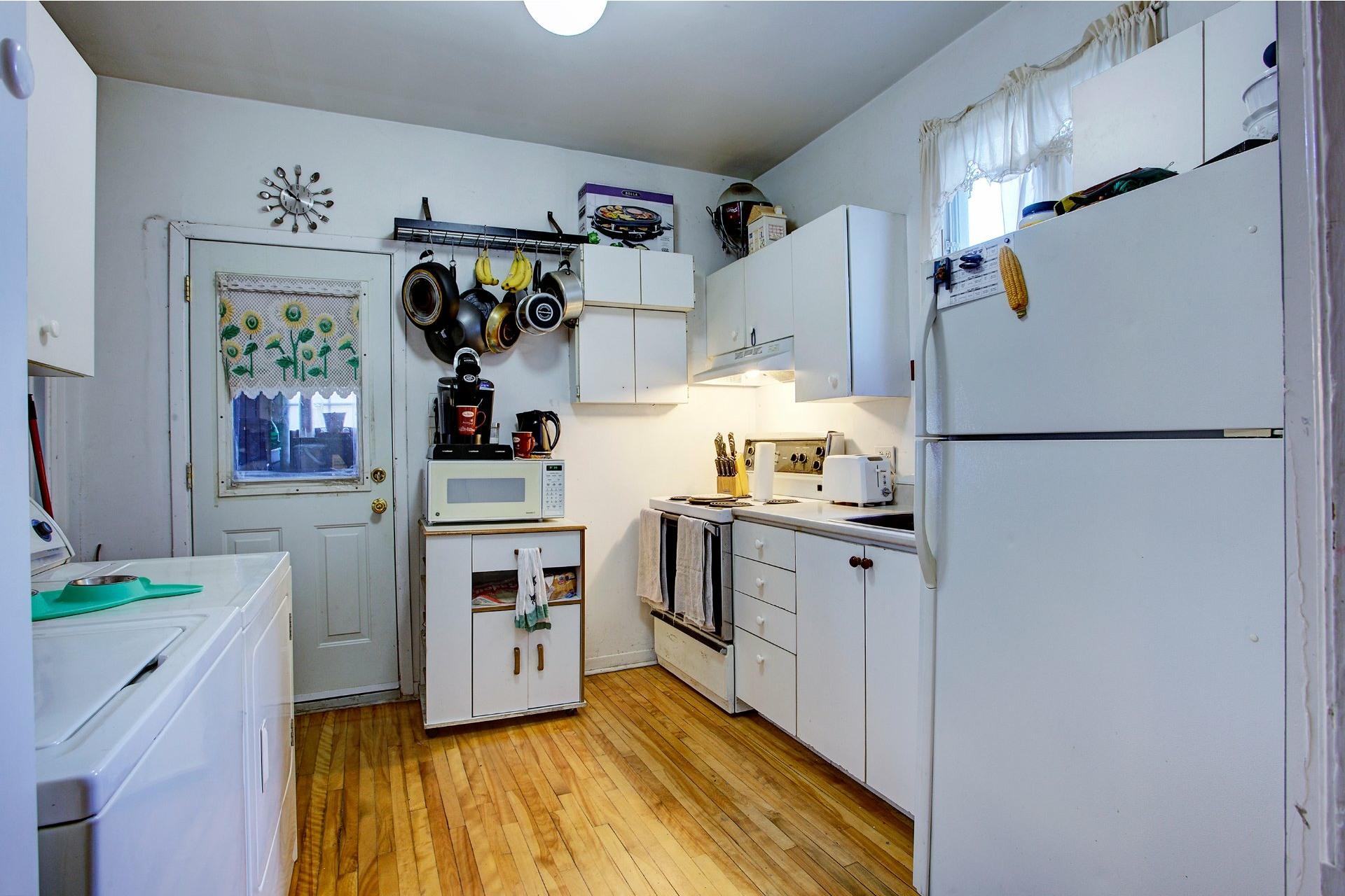 image 11 - Triplex For sale Le Sud-Ouest Montréal  - 6 rooms
