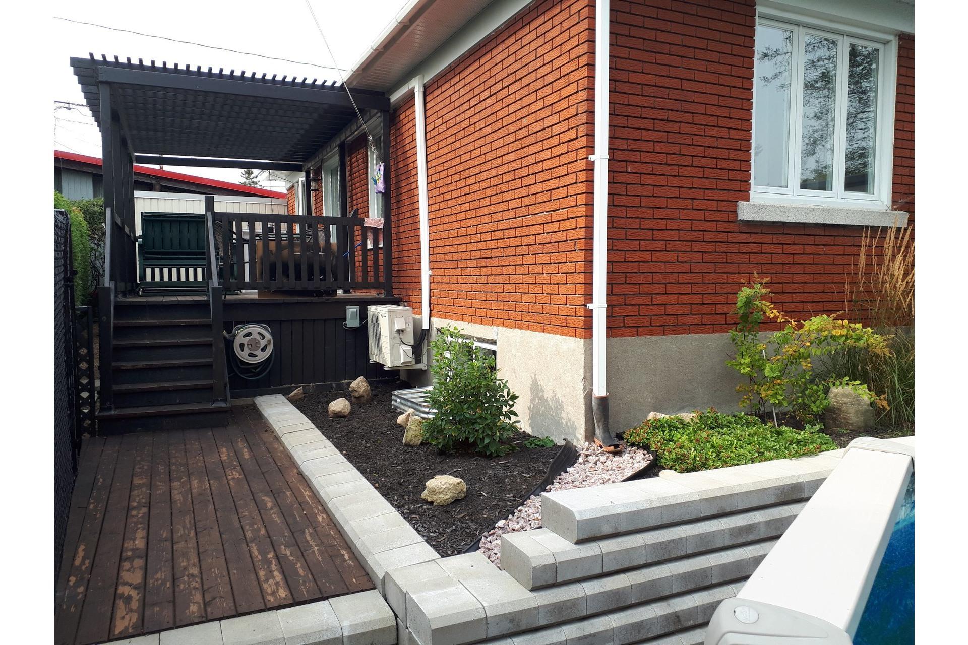 image 28 - Maison À vendre Sainte-Thérèse - 4 pièces