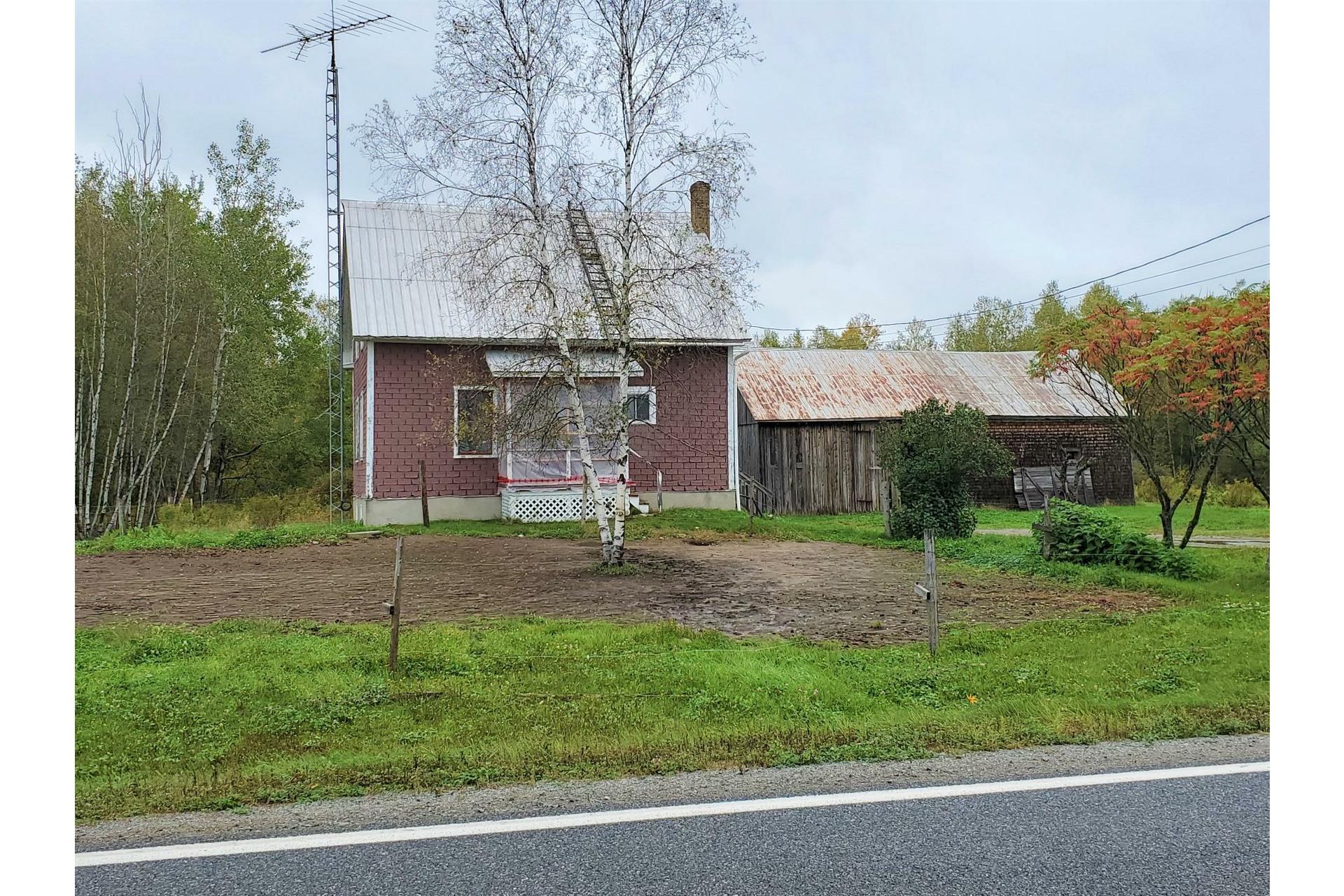 image 1 - Farmhouse For sale Sainte-Marie-de-Blandford - 10 rooms