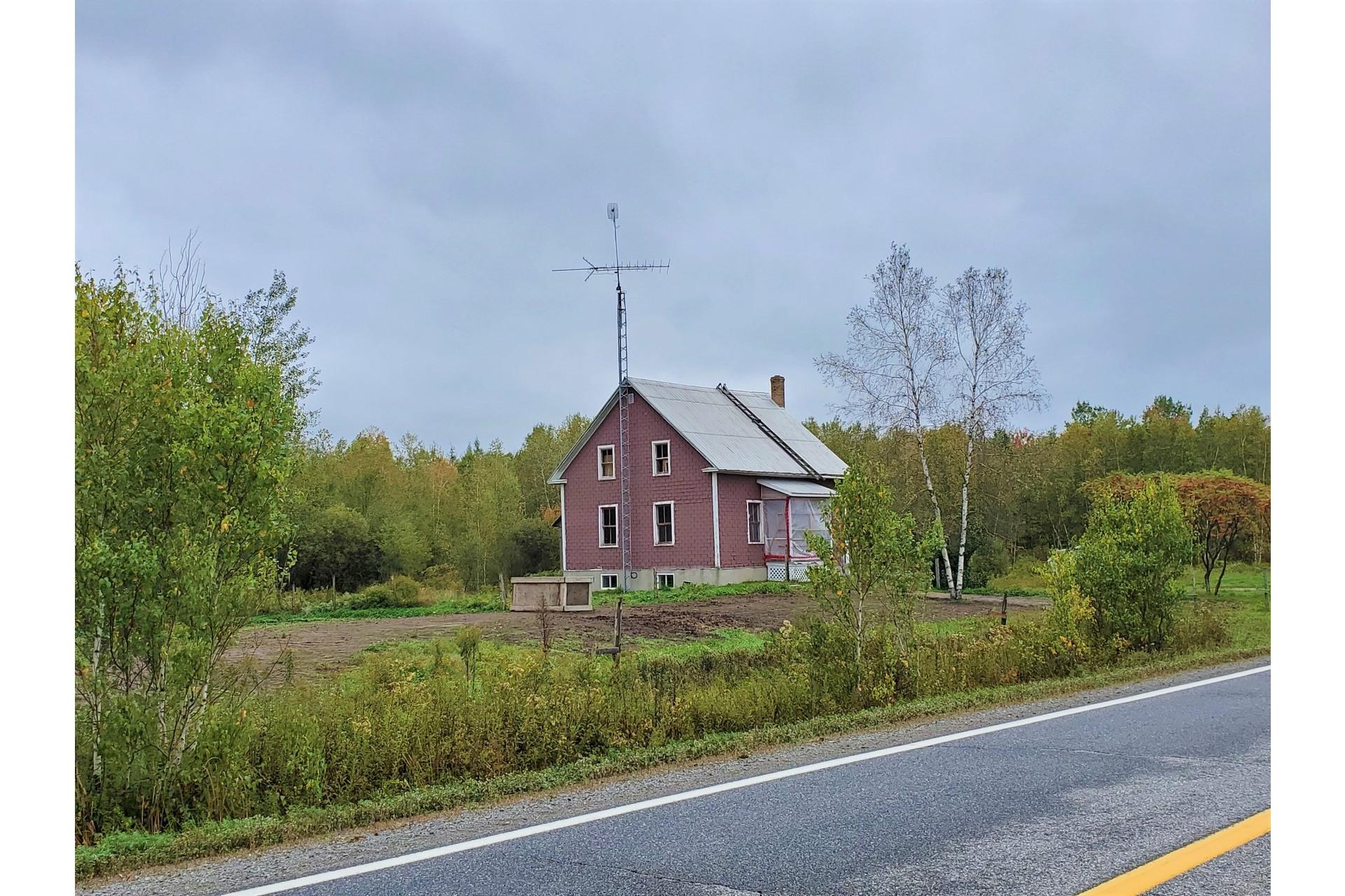 image 0 - Farmhouse For sale Sainte-Marie-de-Blandford - 10 rooms