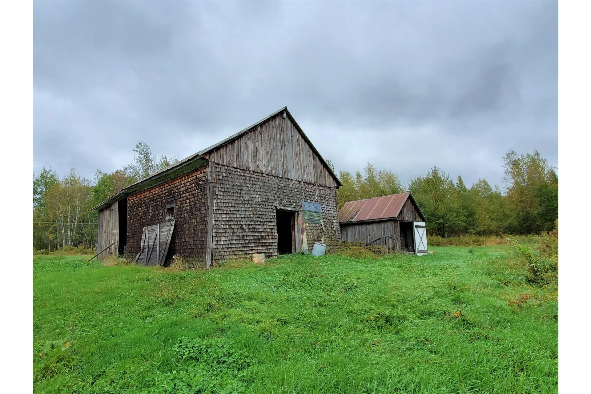 image 6 - Farmhouse For sale Sainte-Marie-de-Blandford - 10 rooms